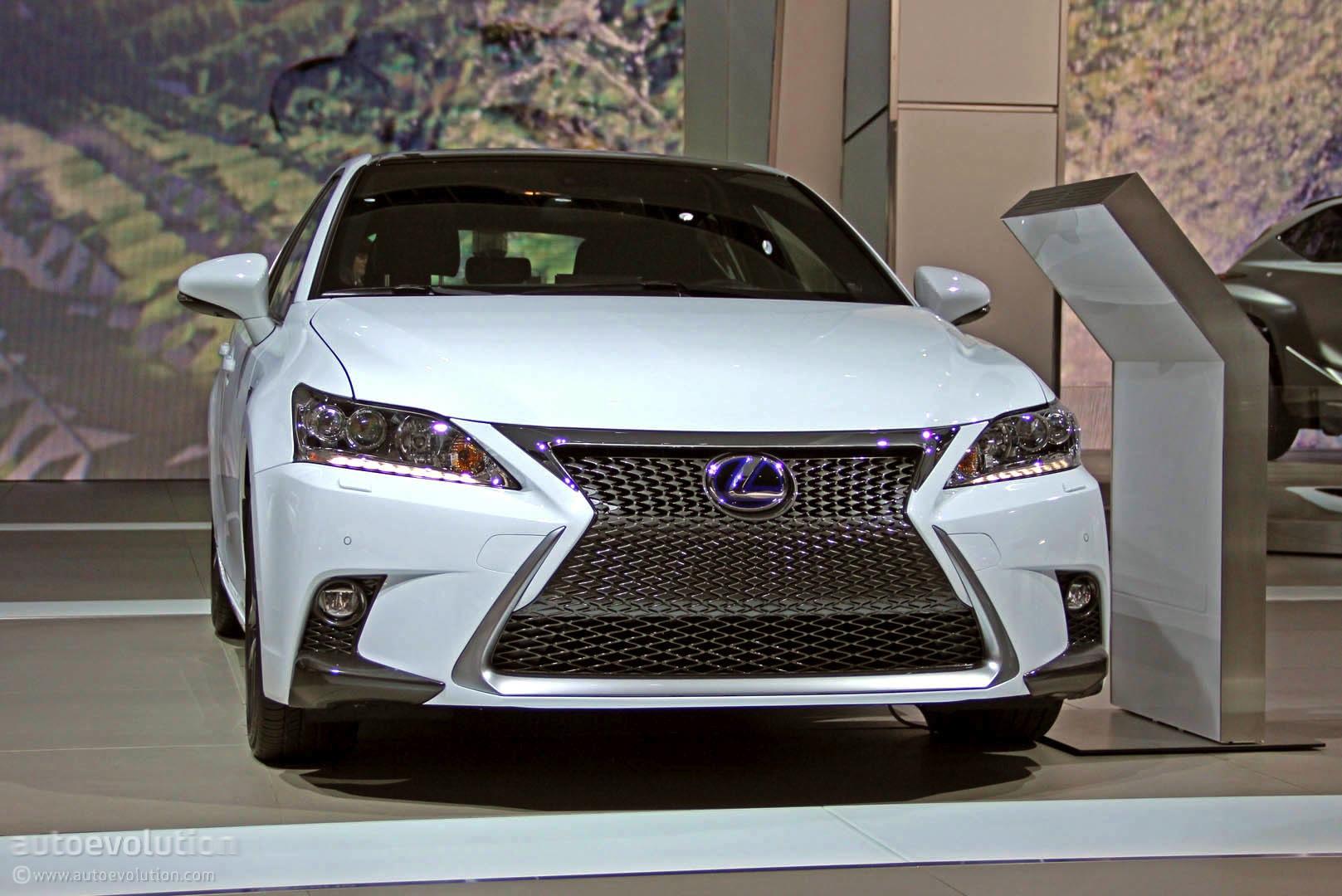 2014 Lexus CT 200h At 2014 Detroit Auto Show ...