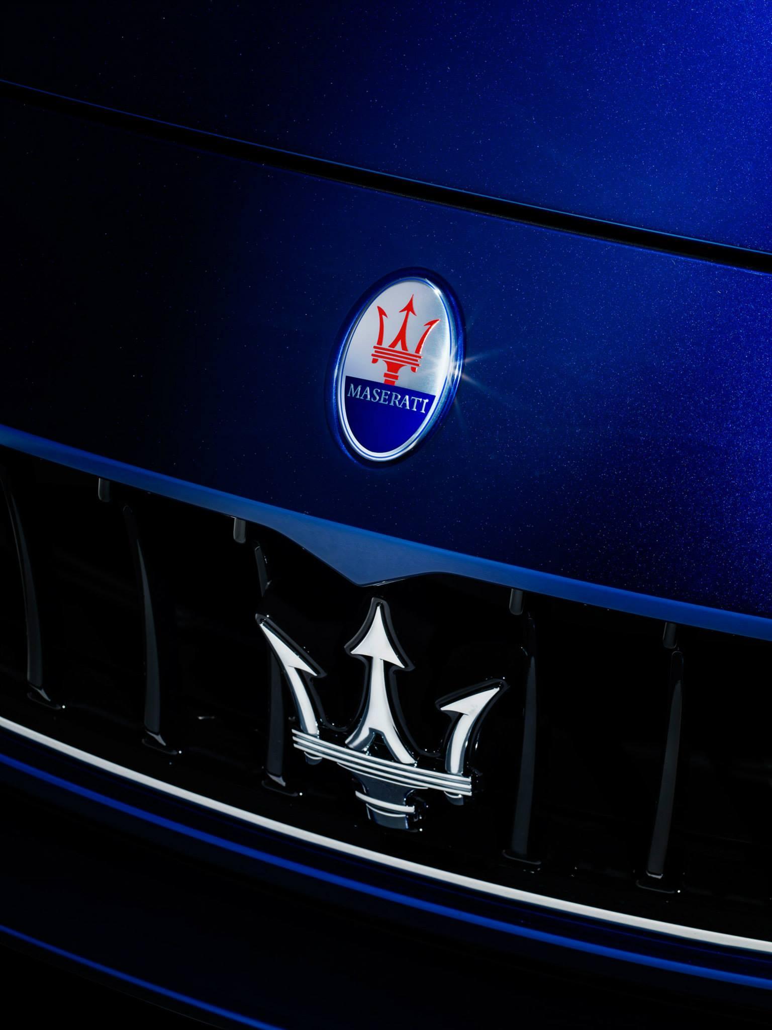 2014 Maserati Ghibli Looks Stunning In Blu Emozione