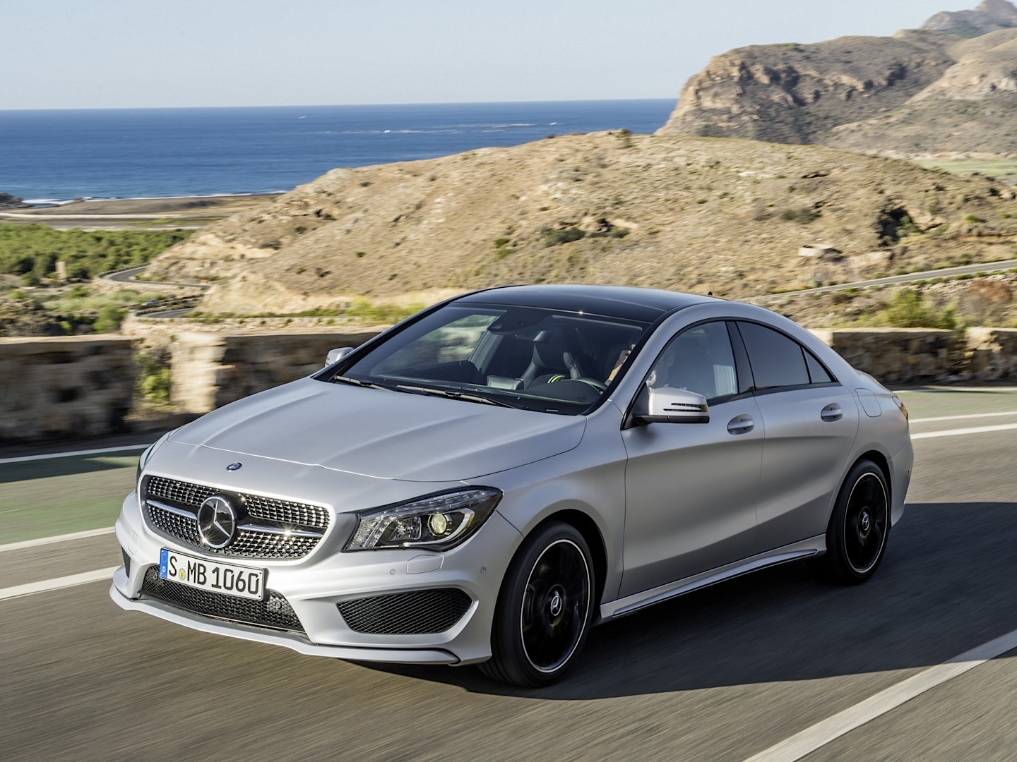 2014 mercedes benz cla 250 gets rated by the epa for Mercedes benz cla 250 review