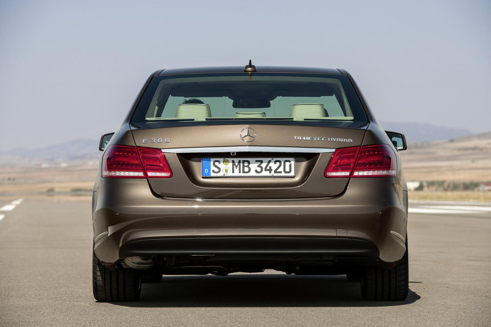 2014 mercedes benz e class facelift revealed autoevolution for Mercedes benz class e