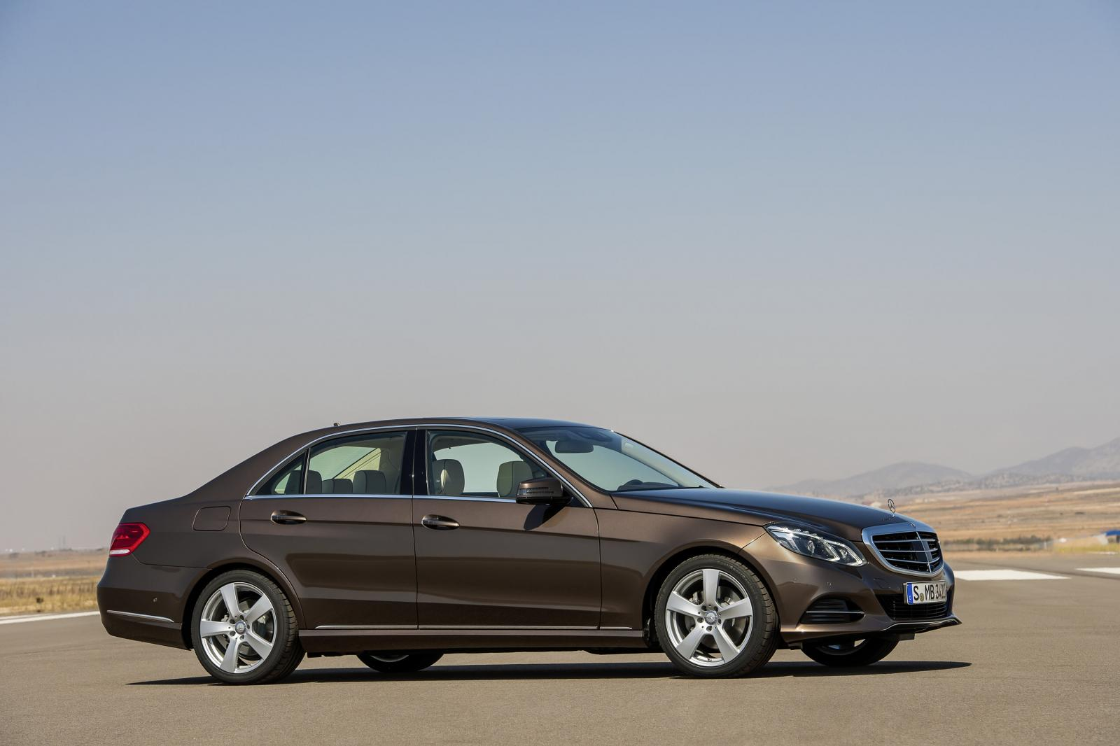2014 mercedes benz e class facelift revealed autoevolution for Mercedes benz news