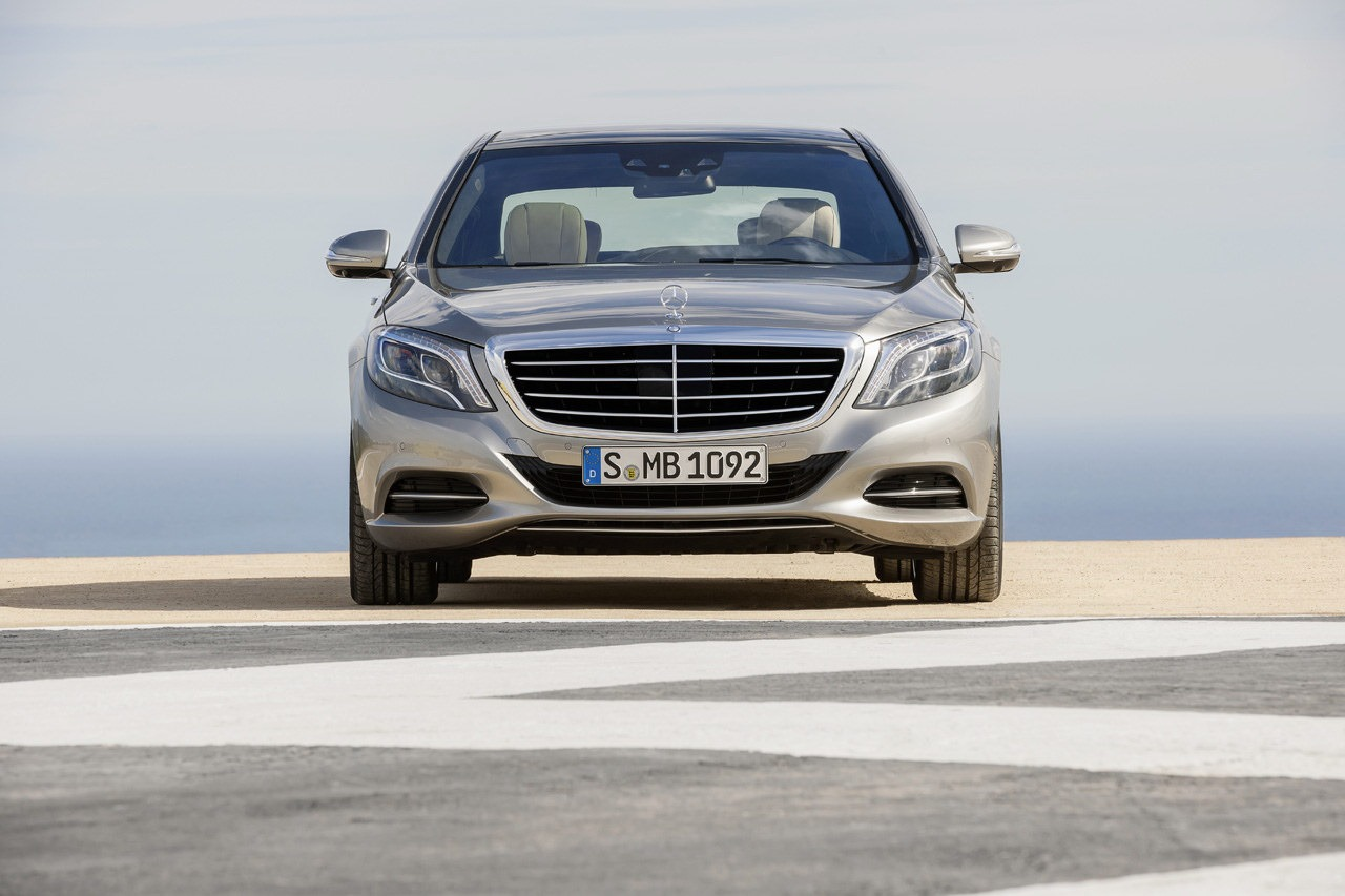 2014 mercedes benz s class fully revealed in hamburg autoevolution. Black Bedroom Furniture Sets. Home Design Ideas
