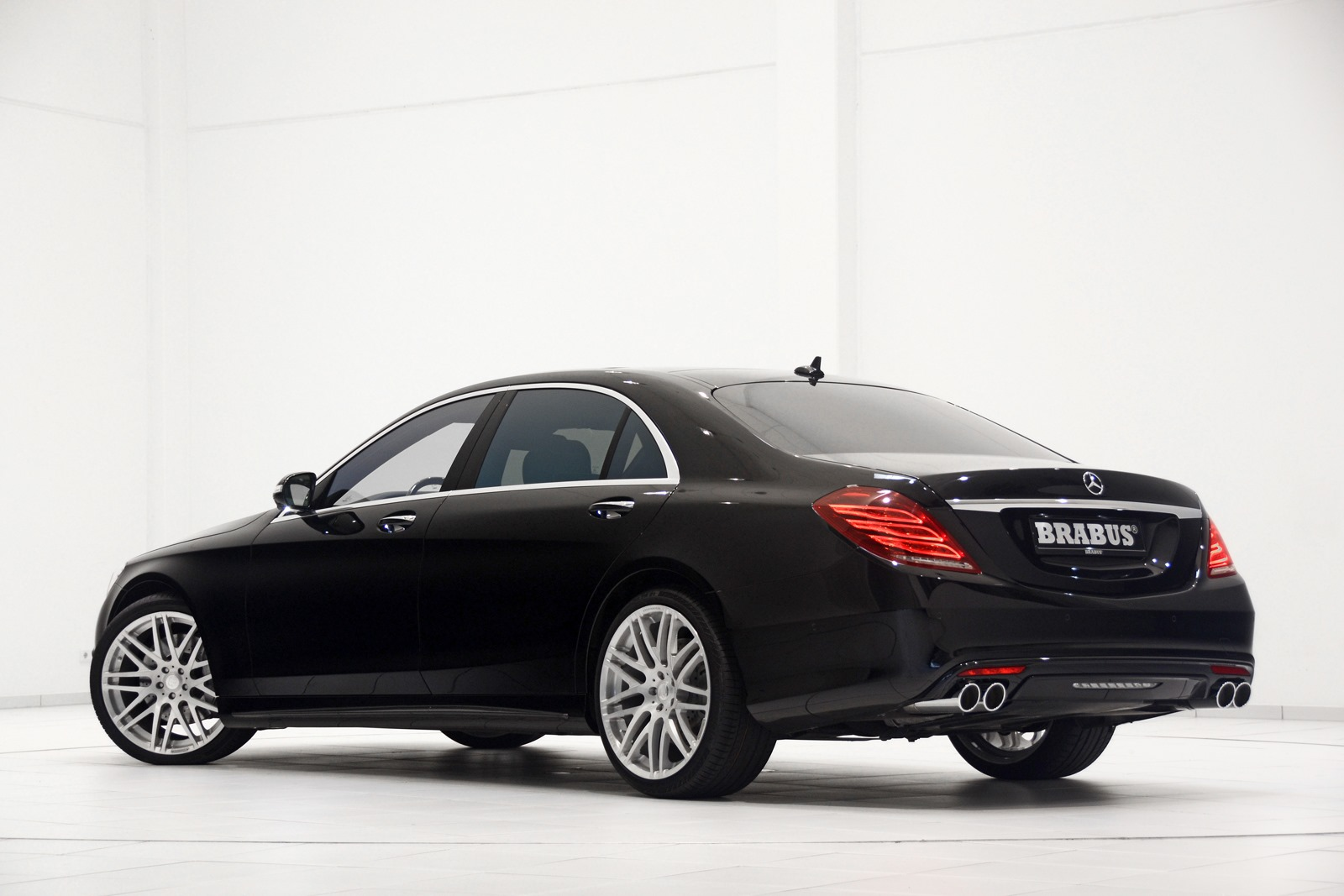 2014 mercedes benz s class gets the brabus treatment autoevolution. Black Bedroom Furniture Sets. Home Design Ideas