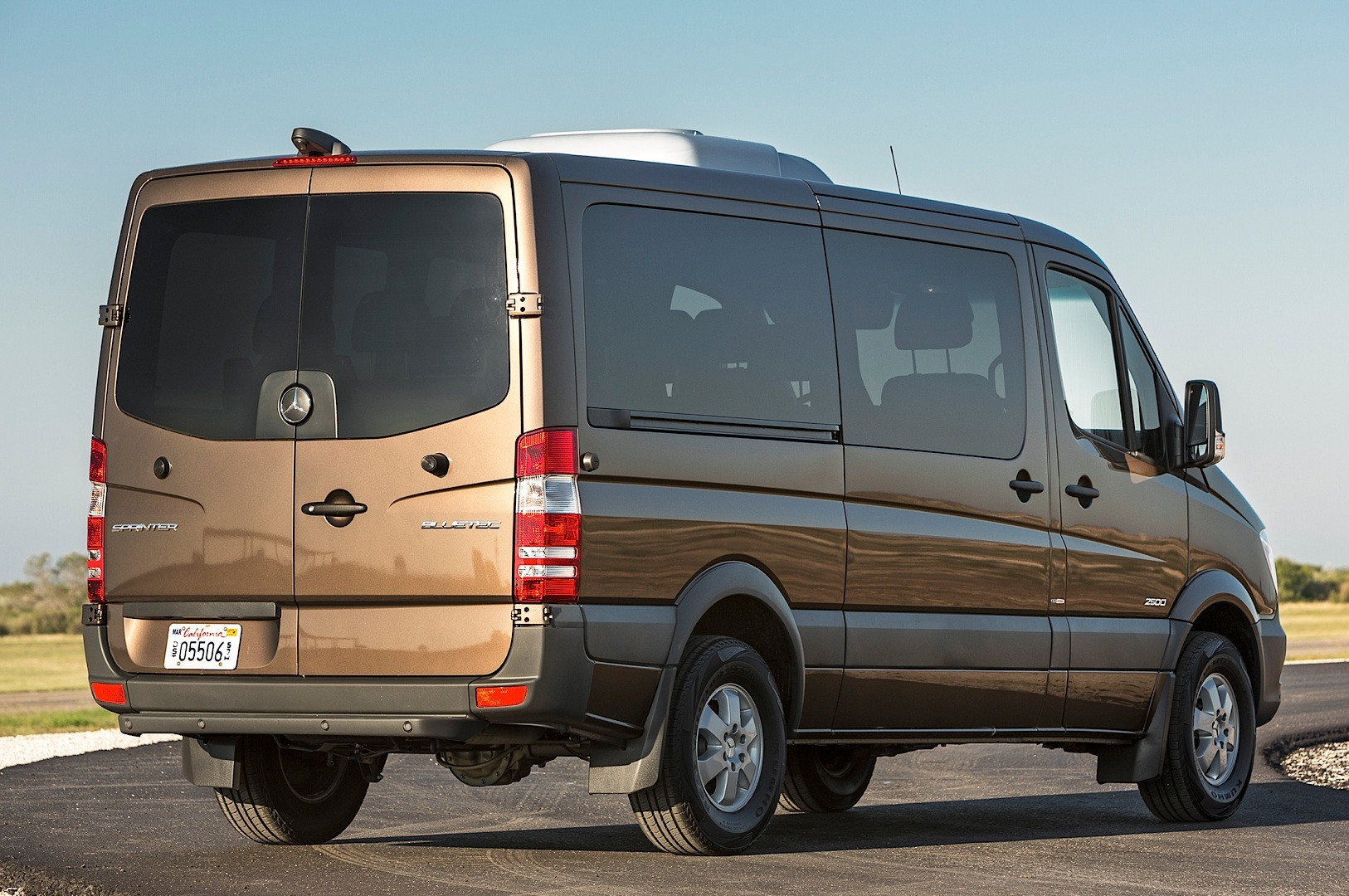 2014 mercedes benz sprinter gets reviewed by truck trend for Mercedes benz sprinter usa