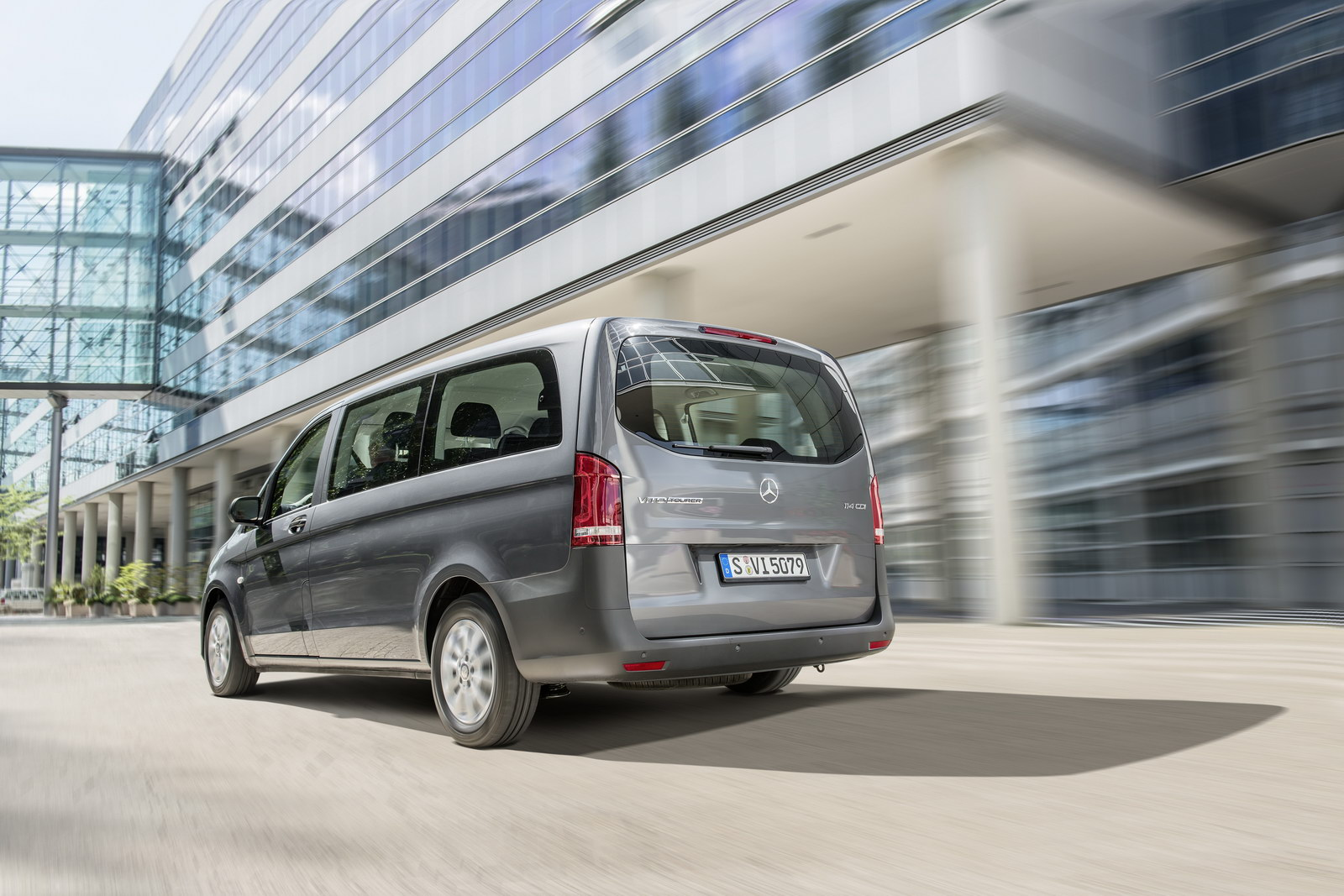 2014 mercedes benz vito revealed shares underpinnings with v class autoevolution. Black Bedroom Furniture Sets. Home Design Ideas