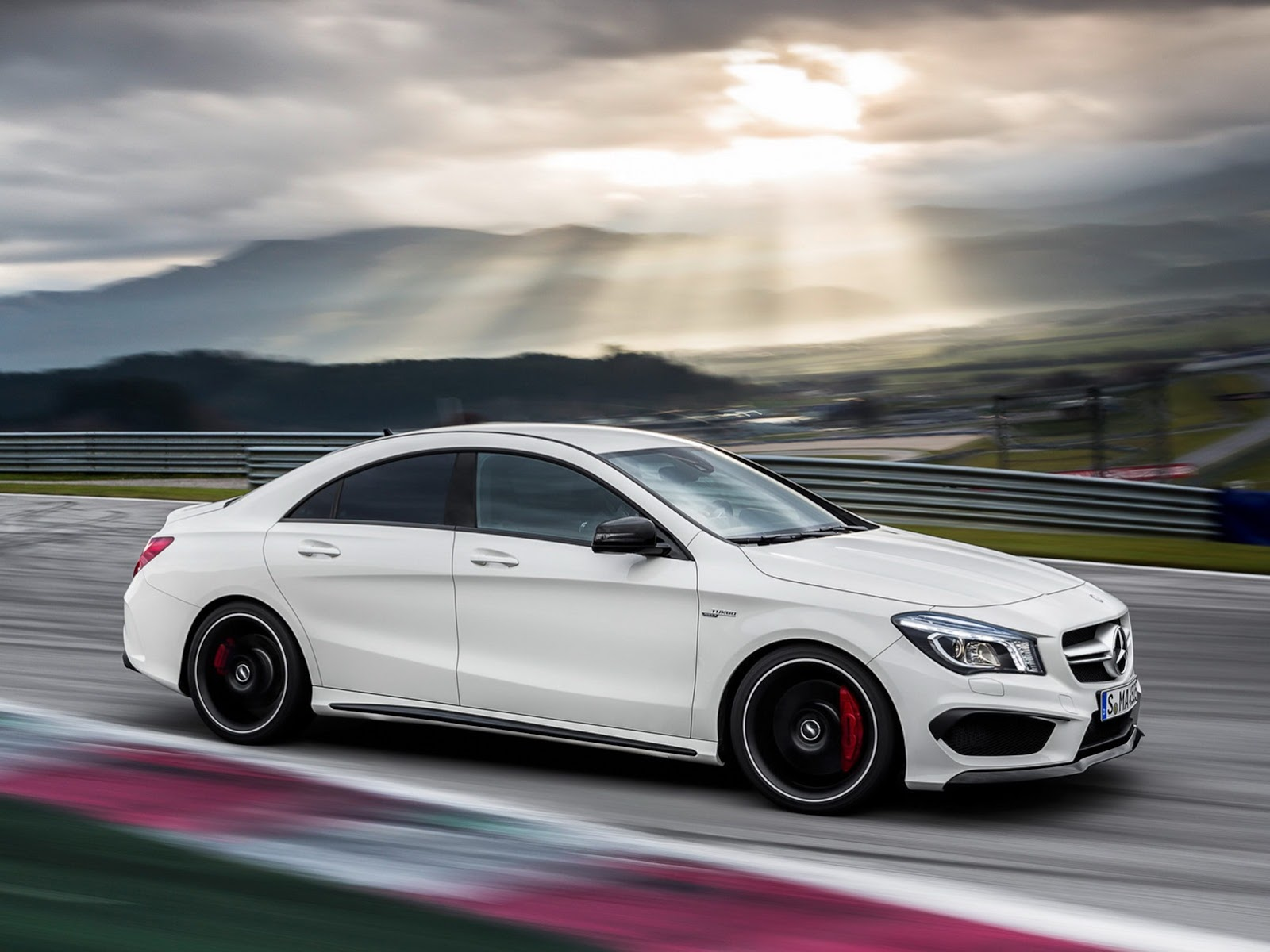 2014 mercedes cla 45 amg first photos leaked autoevolution for Mercedes benz cla 45