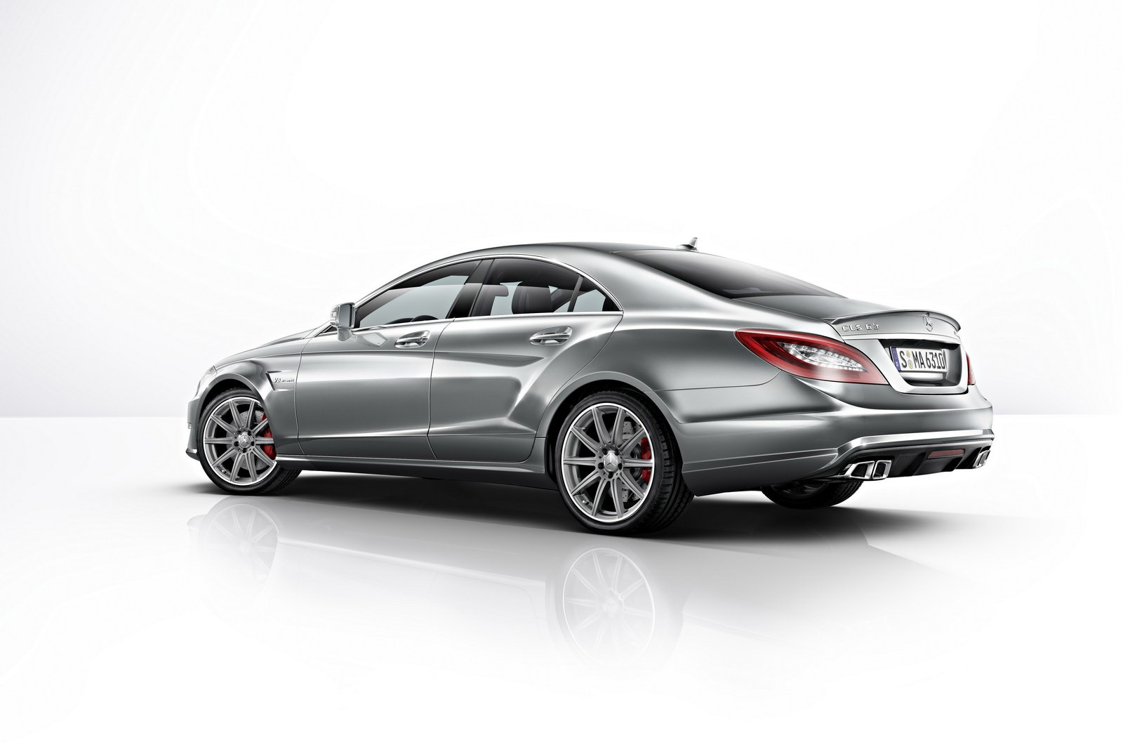 2014 mercedes cls 63 amg gets more power 4matic for 2014 mercedes benz cls63 amg 4matic