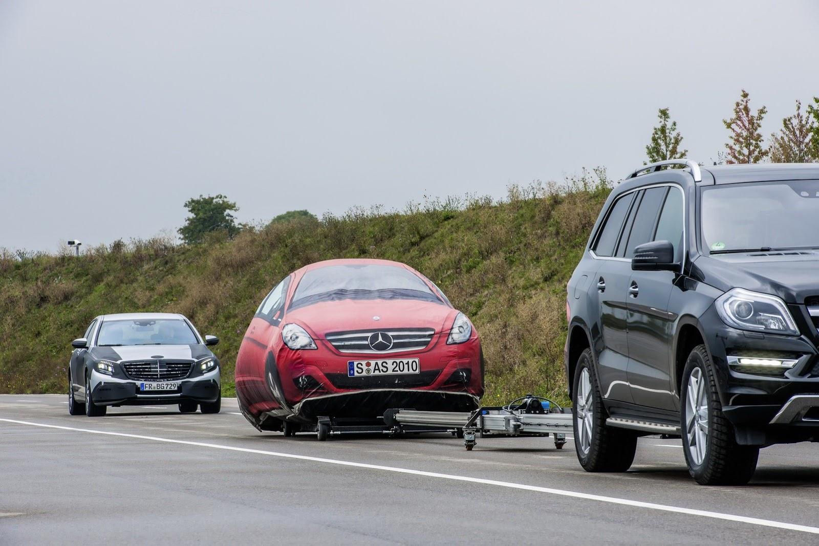 2014 Mercedes S Class Technology Detailed Video