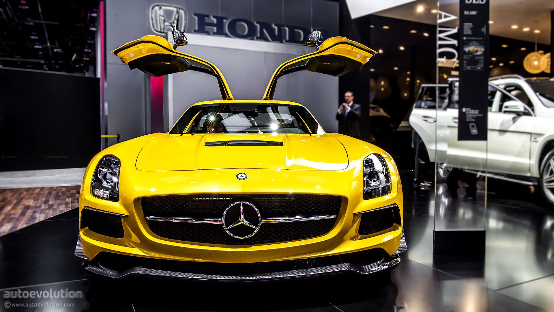 Jeep Cherokee Sport For Sale >> 2014 Mercedes SLS AMG Black Series US Pricing Announced - autoevolution