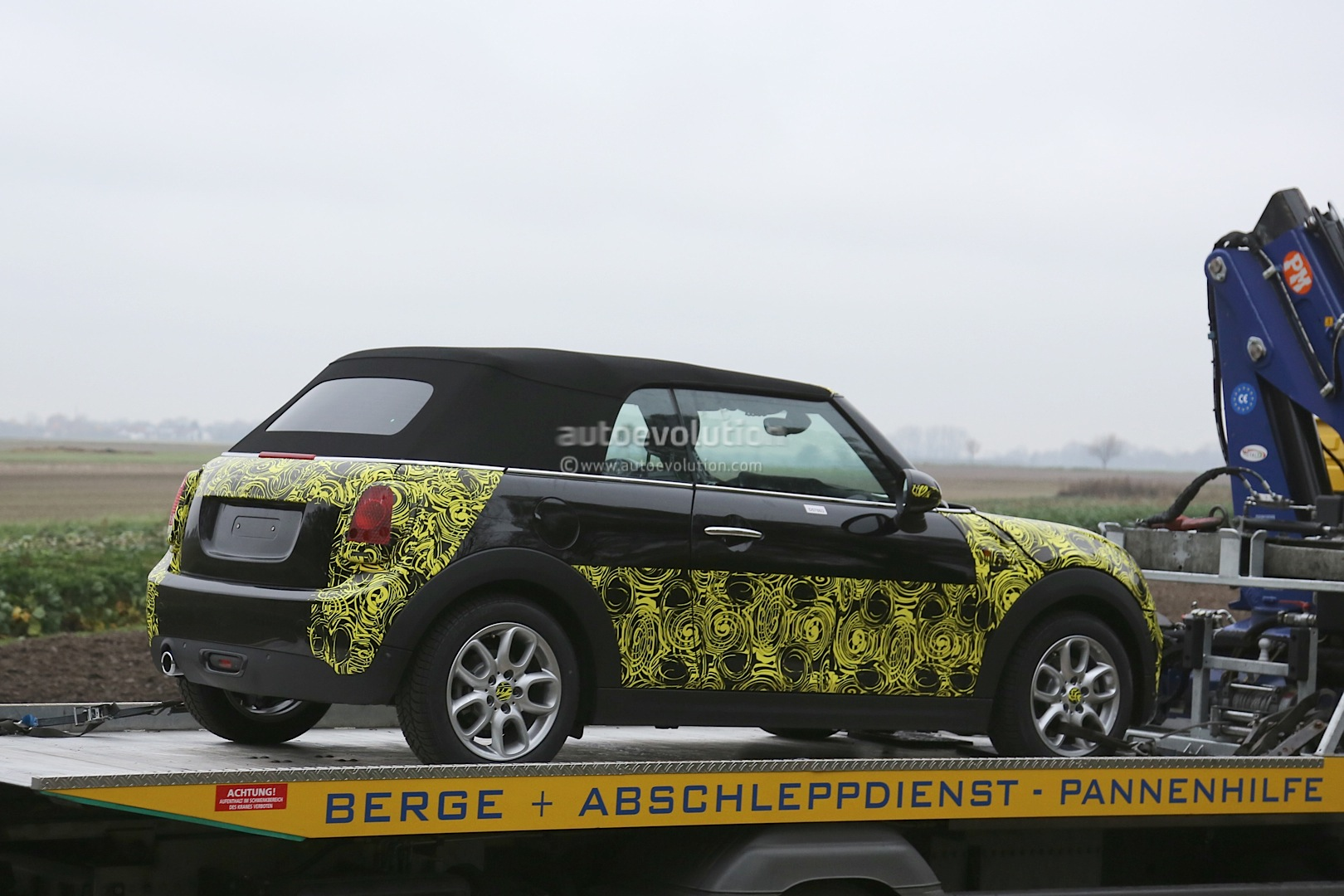 2014 Mini Cooper Convertible Spied In Most Revealing