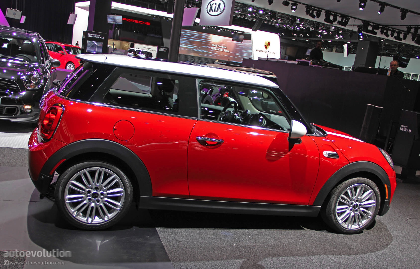 2014 MINI Cooper Is Still Cute in Detroit [Live Photos ...