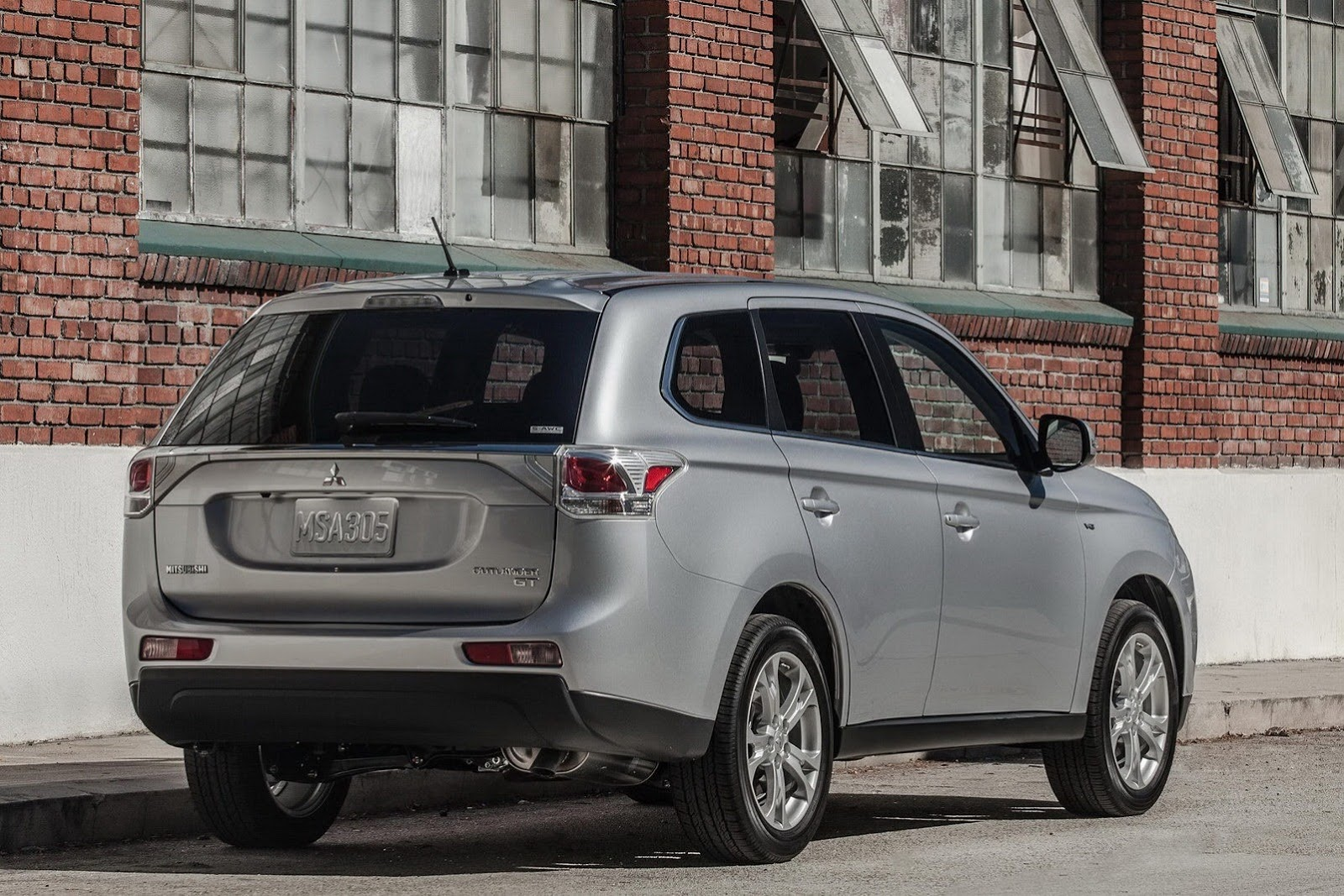 2014 mitsubishi outlander us pricing autoevolution. Black Bedroom Furniture Sets. Home Design Ideas