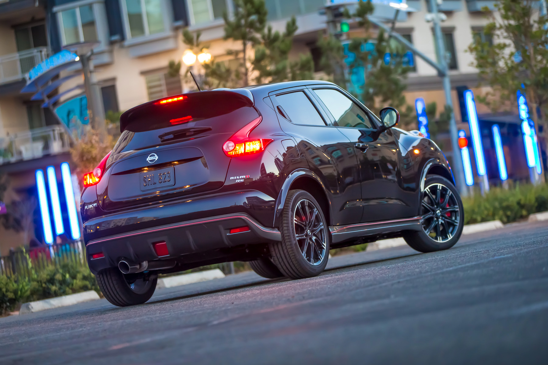 2014 nissan juke nismo rs costs as much as a subaru wrx. Black Bedroom Furniture Sets. Home Design Ideas
