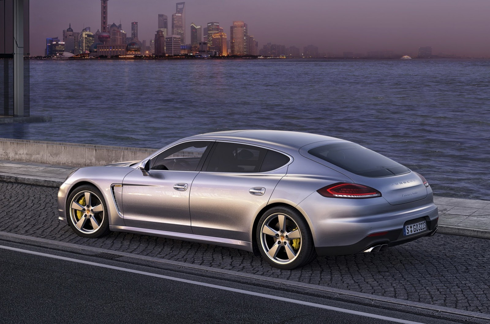2014 Porsche Panamera Facelift First Photos Leaked