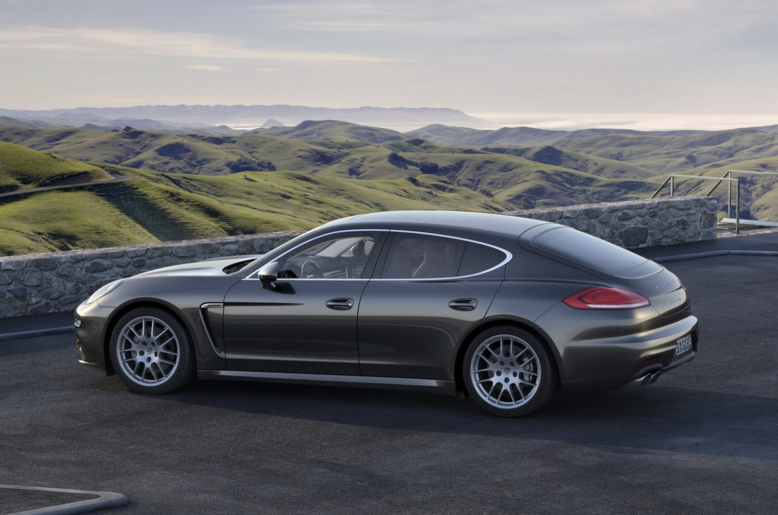 2014 Porsche Panamera Facelift First Photos Leaked HD Style Wallpapers Download free beautiful images and photos HD [prarshipsa.tk]