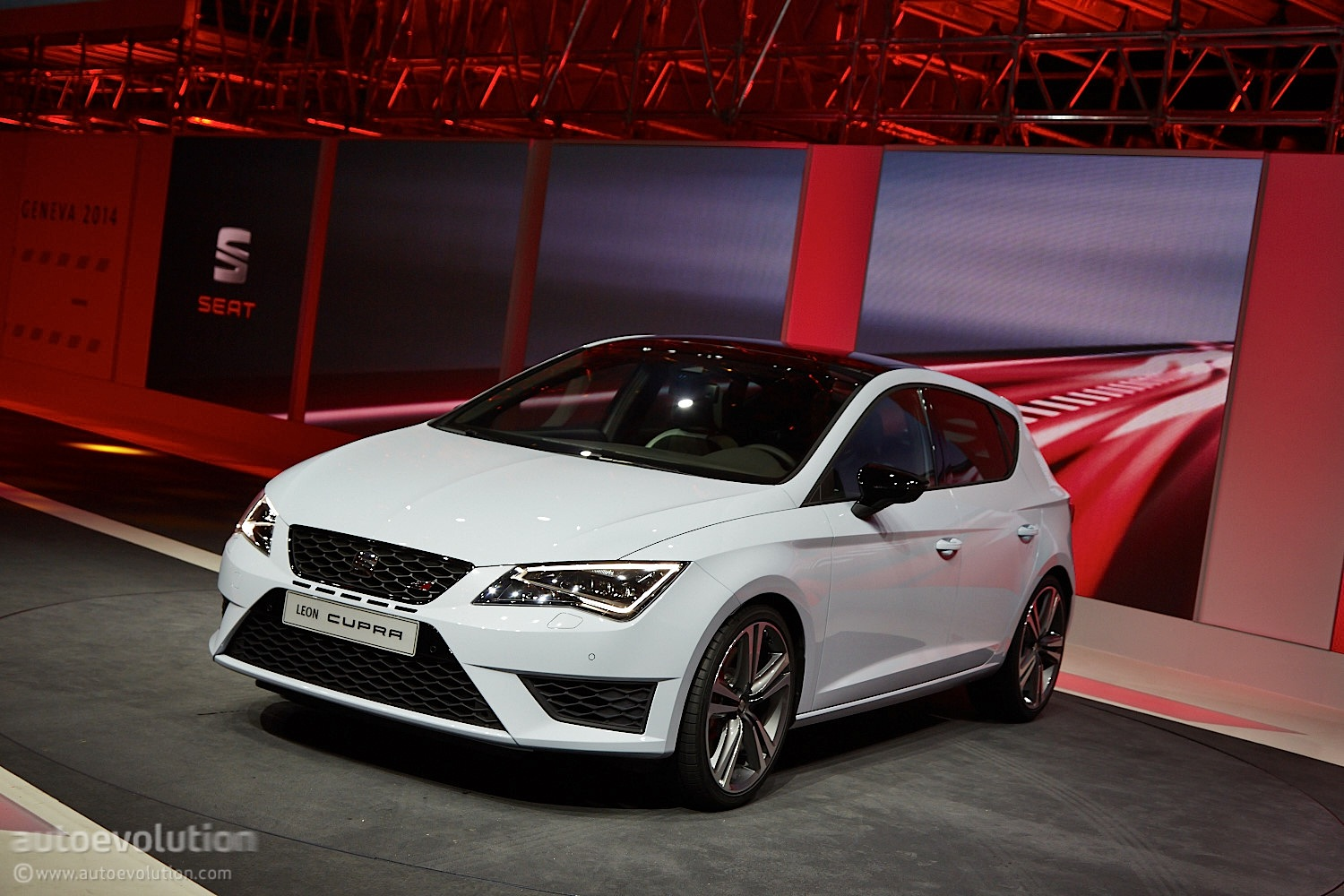 2014 Seat Leon Cupra Is The Hottest Of The Hot Hatches