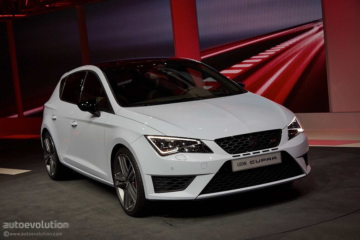 2014 SEAT Leon Cupra Is the Hottest of the Hot Hatches ...
