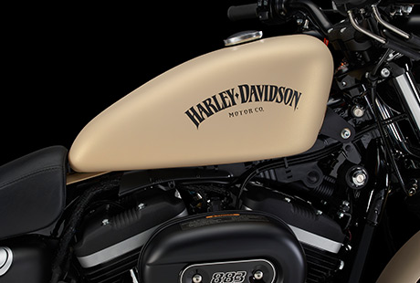 2014 Sportster Iron 883 Is A Tough Looking Ride
