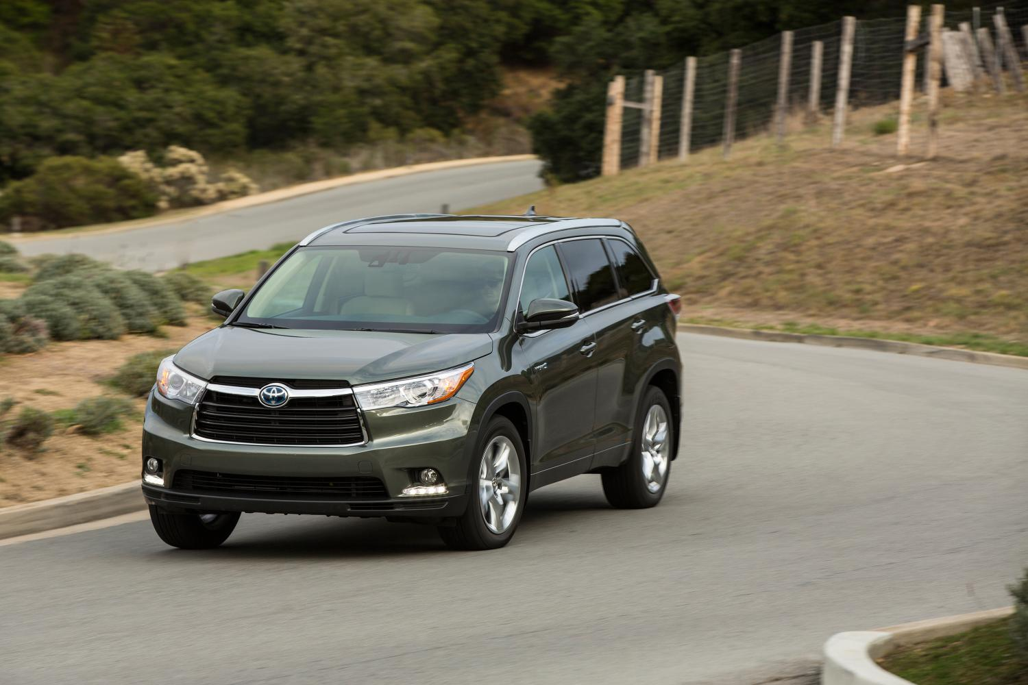 2014 toyota highlander us specs and prices released autoevolution. Black Bedroom Furniture Sets. Home Design Ideas