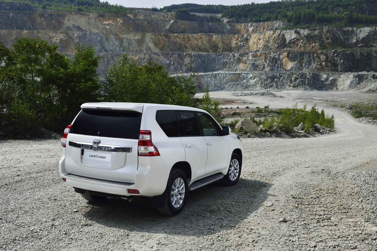 Toyota Land Cruiser Gets Uk Pricing Specs on Toyota Corolla Tires