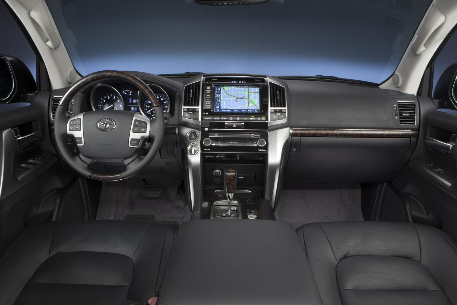 2014 Toyota Land Cruiser US-Specs Released - autoevolution
