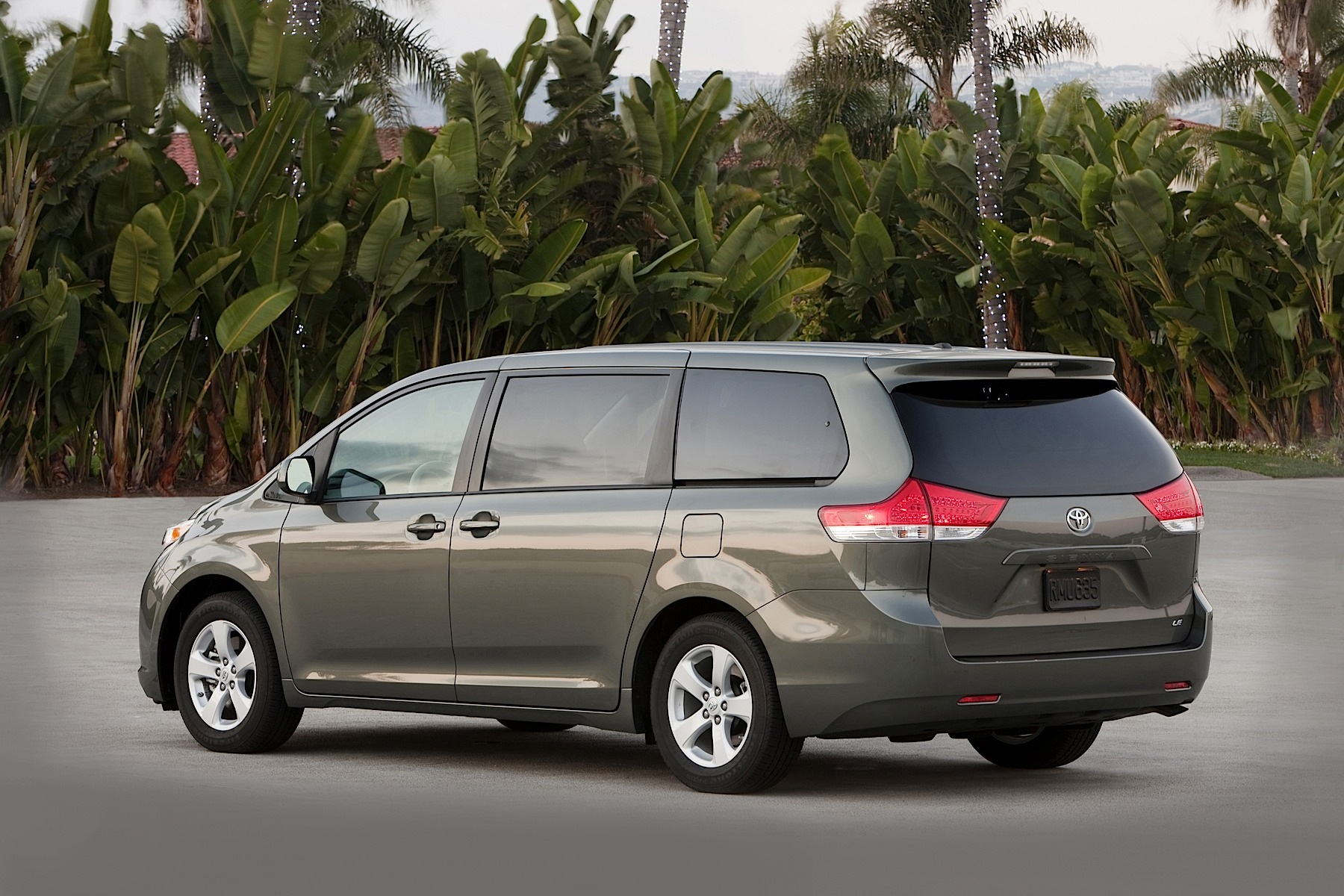 2014 Toyota Sienna Remains The Only Awd Family Van