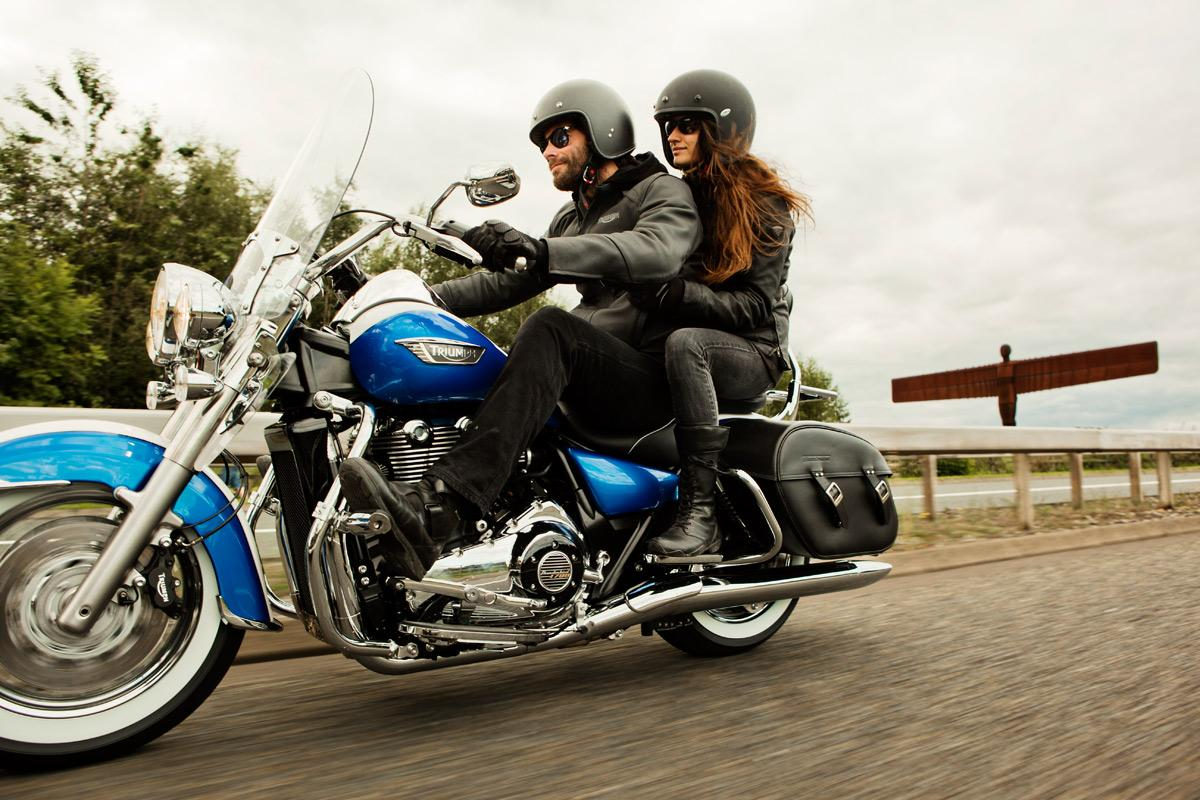 2014 triumph thunderbird lt is a robust tourer autoevolution. Black Bedroom Furniture Sets. Home Design Ideas