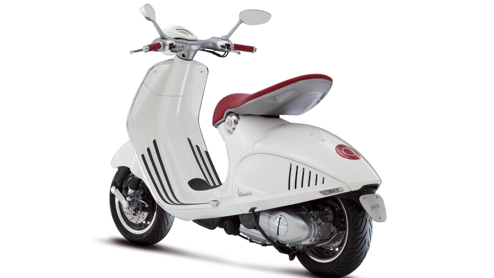 2014 Vespa 946 Comes to North America [Photo Gallery]