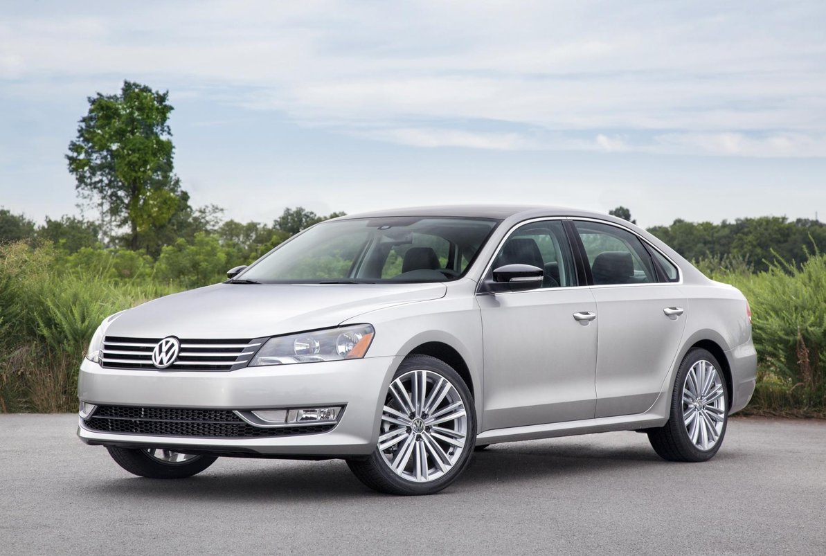 2014 volkswagen passat 1 8t priced from 20 895 autoevolution. Black Bedroom Furniture Sets. Home Design Ideas