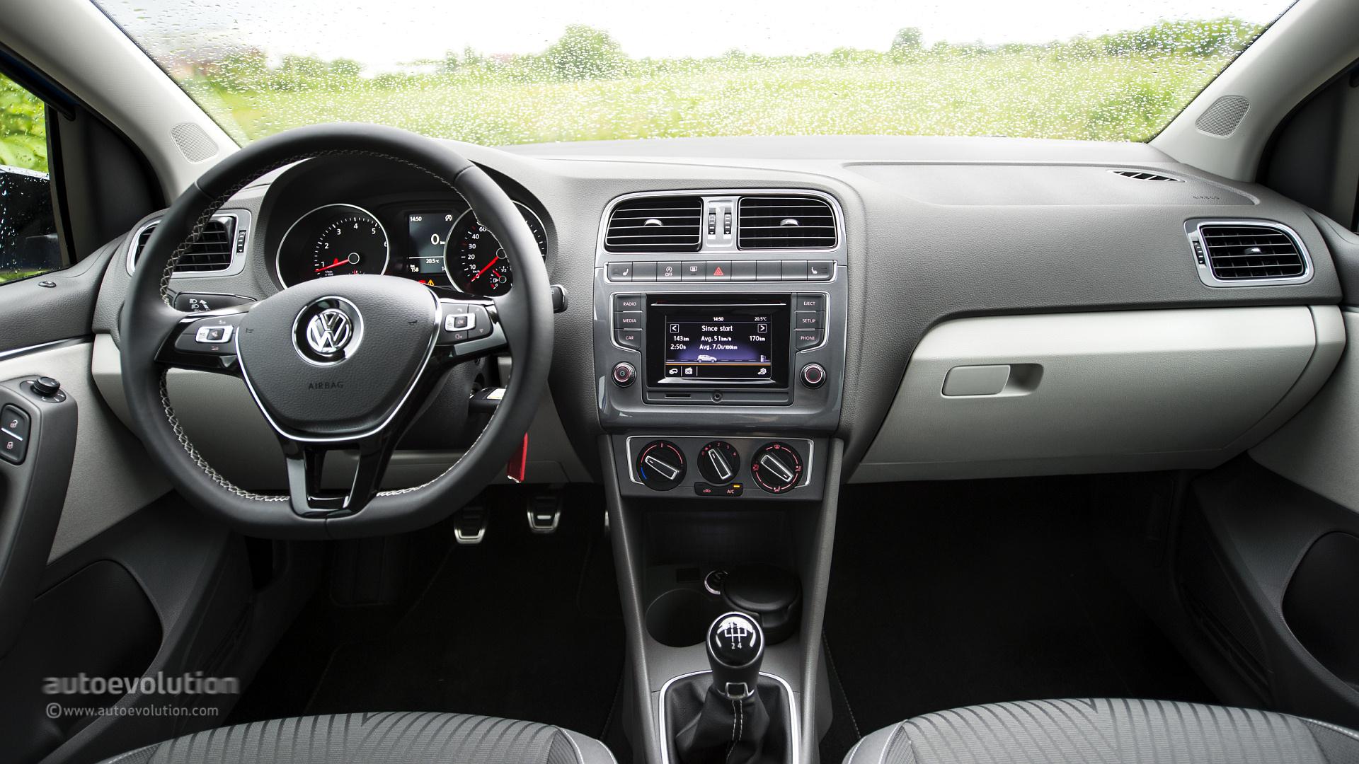 2014 volkswagen polo 1 2 tsi first drive autoevolution. Black Bedroom Furniture Sets. Home Design Ideas