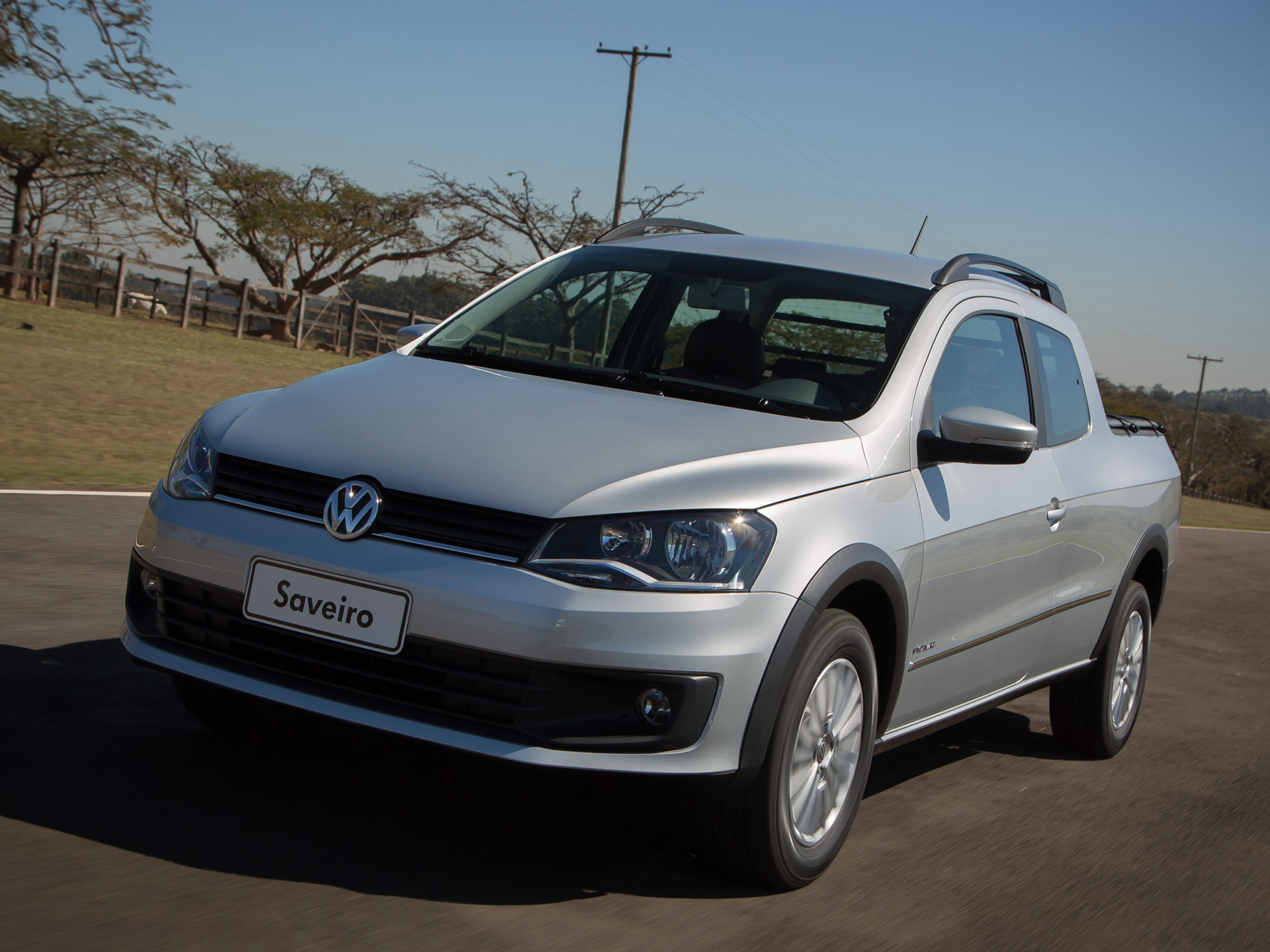 2014 Volkswagen Saveiro Cross Pickup Gets Crew Cab Version in Brazil - autoevolution
