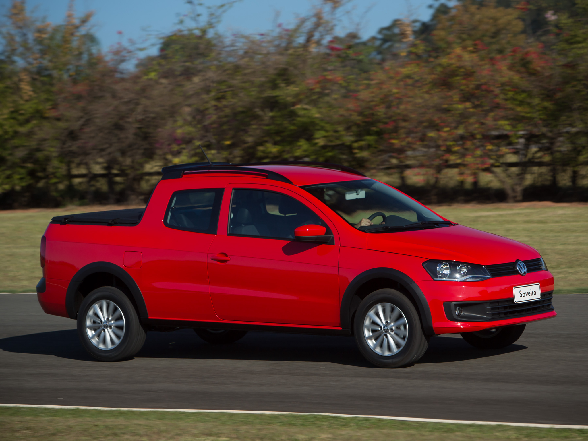 Atlas Auto Sales >> 2014 Volkswagen Saveiro Cross Pickup Gets Crew Cab Version ...