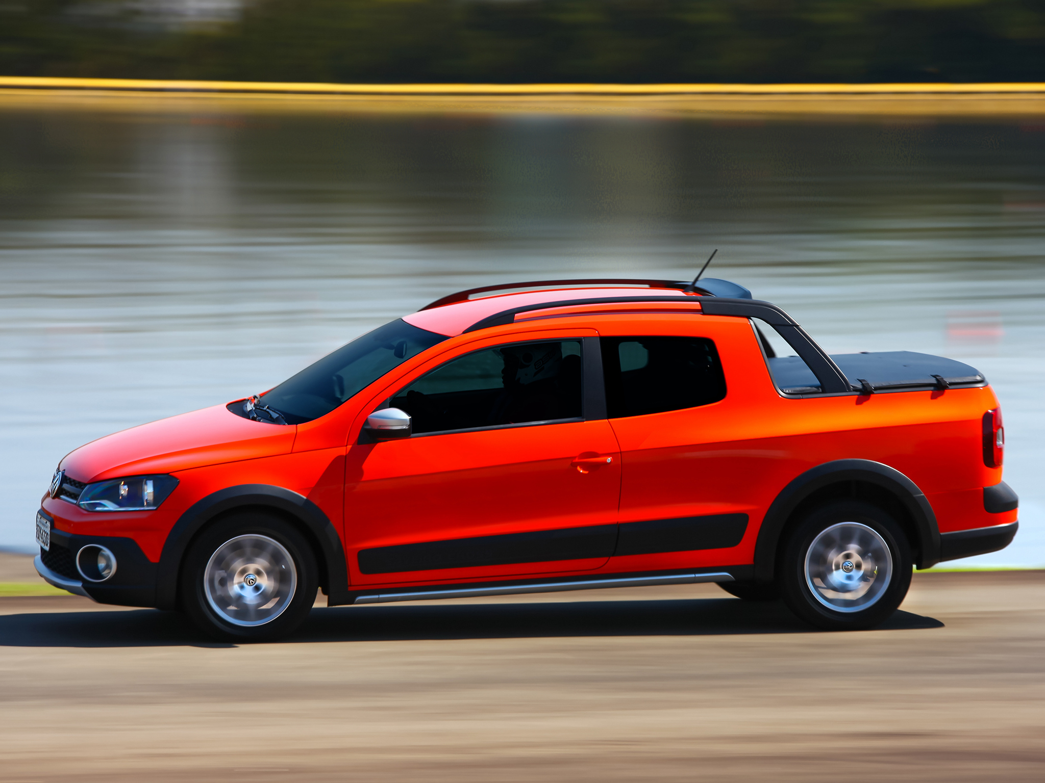 Toyota Diesel Pickup >> 2014 Volkswagen Saveiro Cross Pickup Gets Crew Cab Version in Brazil - autoevolution