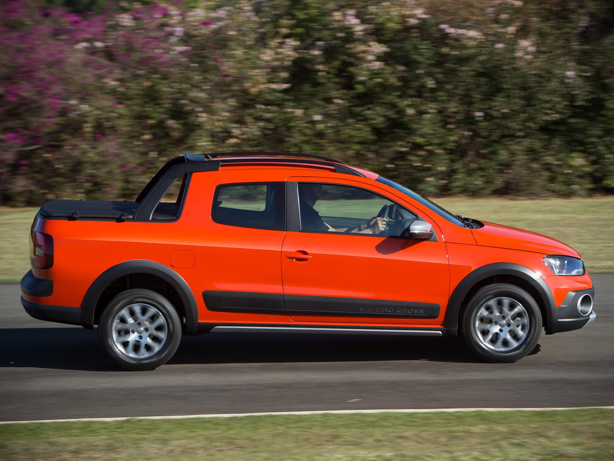 2014 Volkswagen Saveiro Cross Pickup Gets Crew Cab Version ...