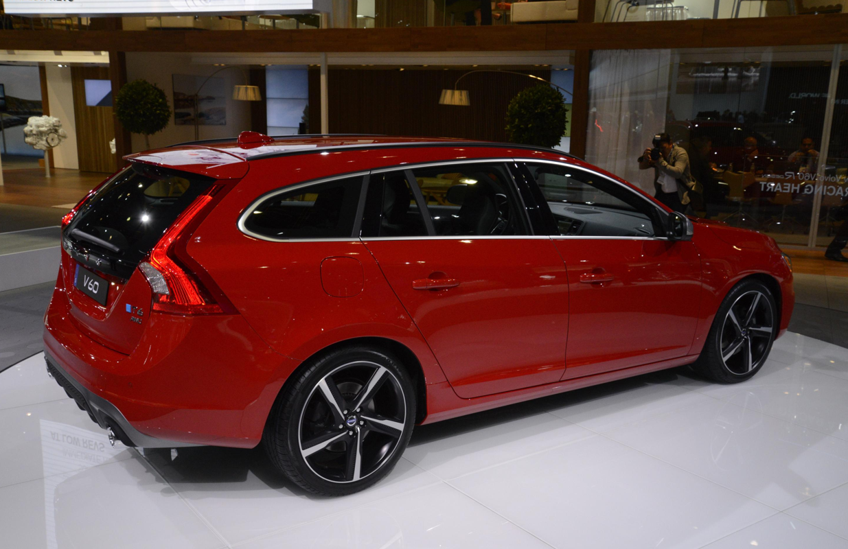 2015 Volvo V60 T6 Awd At The Los Angeles Auto Show Live