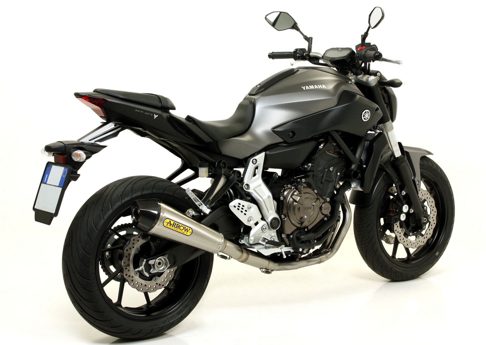 2014 yamaha mt 07 receives arrow exhaust upgrades. Black Bedroom Furniture Sets. Home Design Ideas