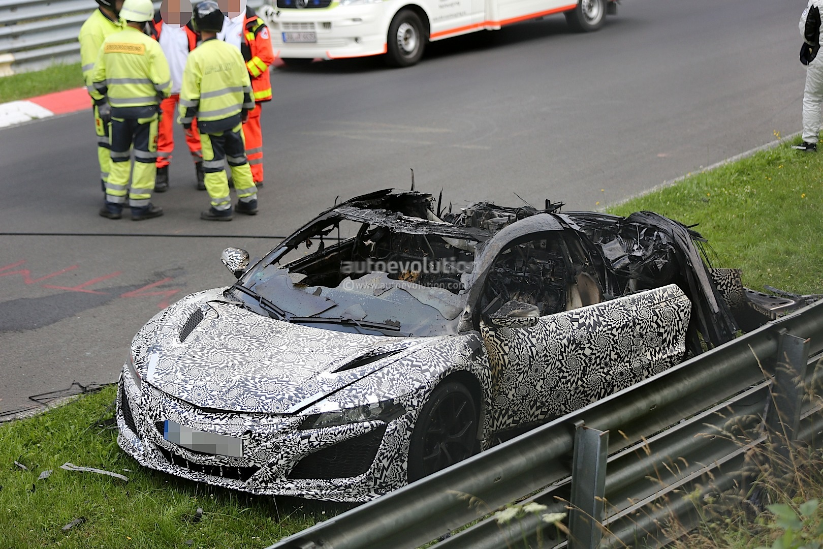2015 acura honda nsx prototype burns to a crisp on nurburgring