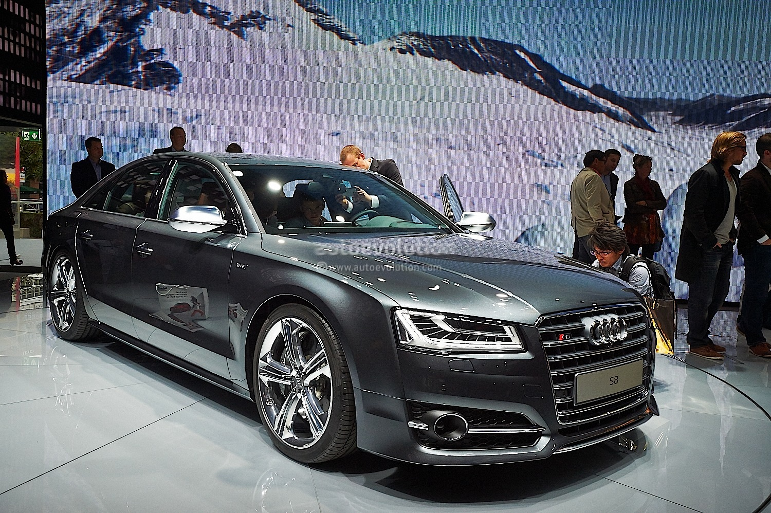 Audi Mmi Connect >> 2015 Audi A8 Pricing and Details Announced - autoevolution