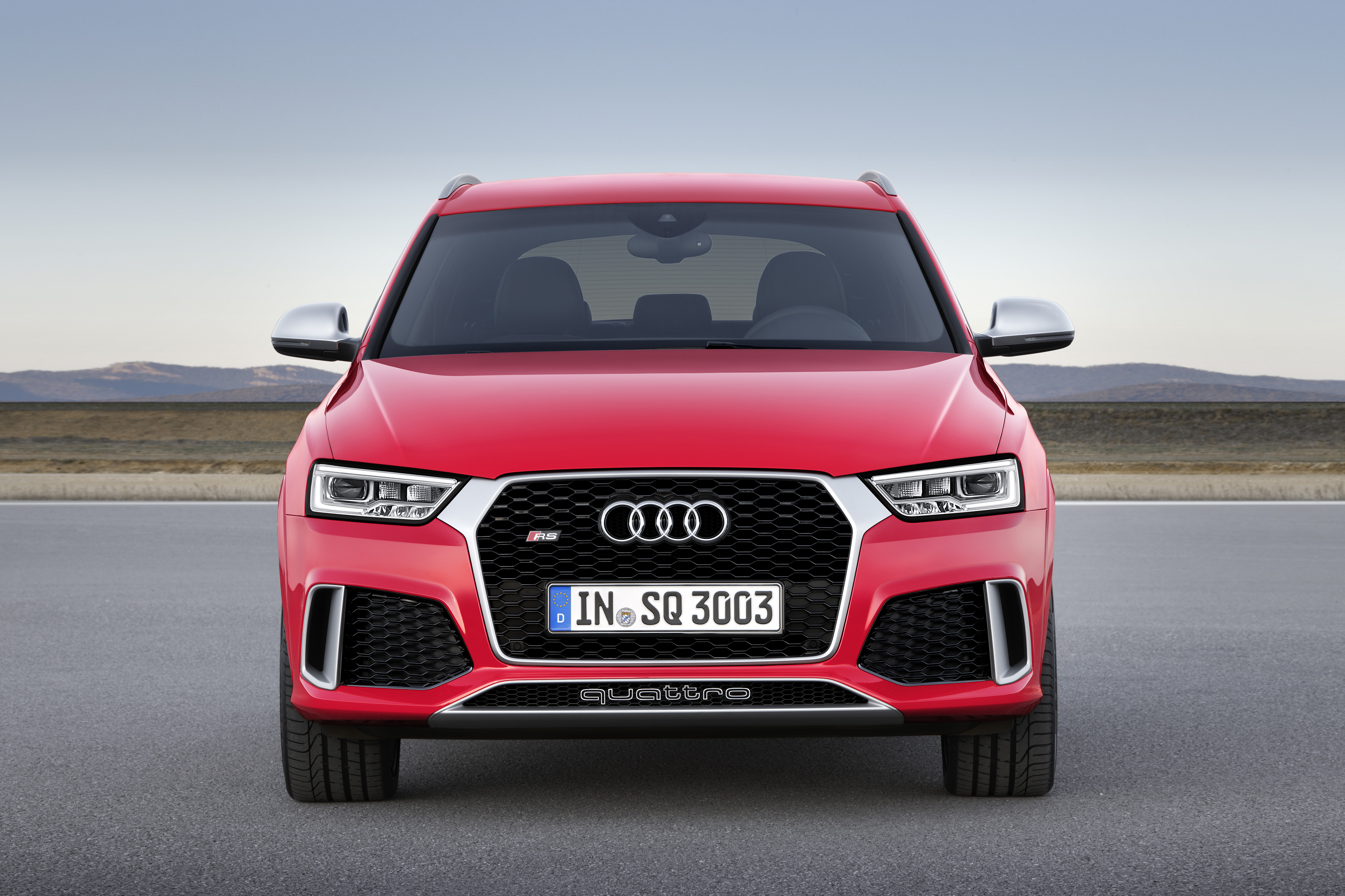 2015 audi rs q3 gets 340 hp and fresh looks autoevolution. Black Bedroom Furniture Sets. Home Design Ideas