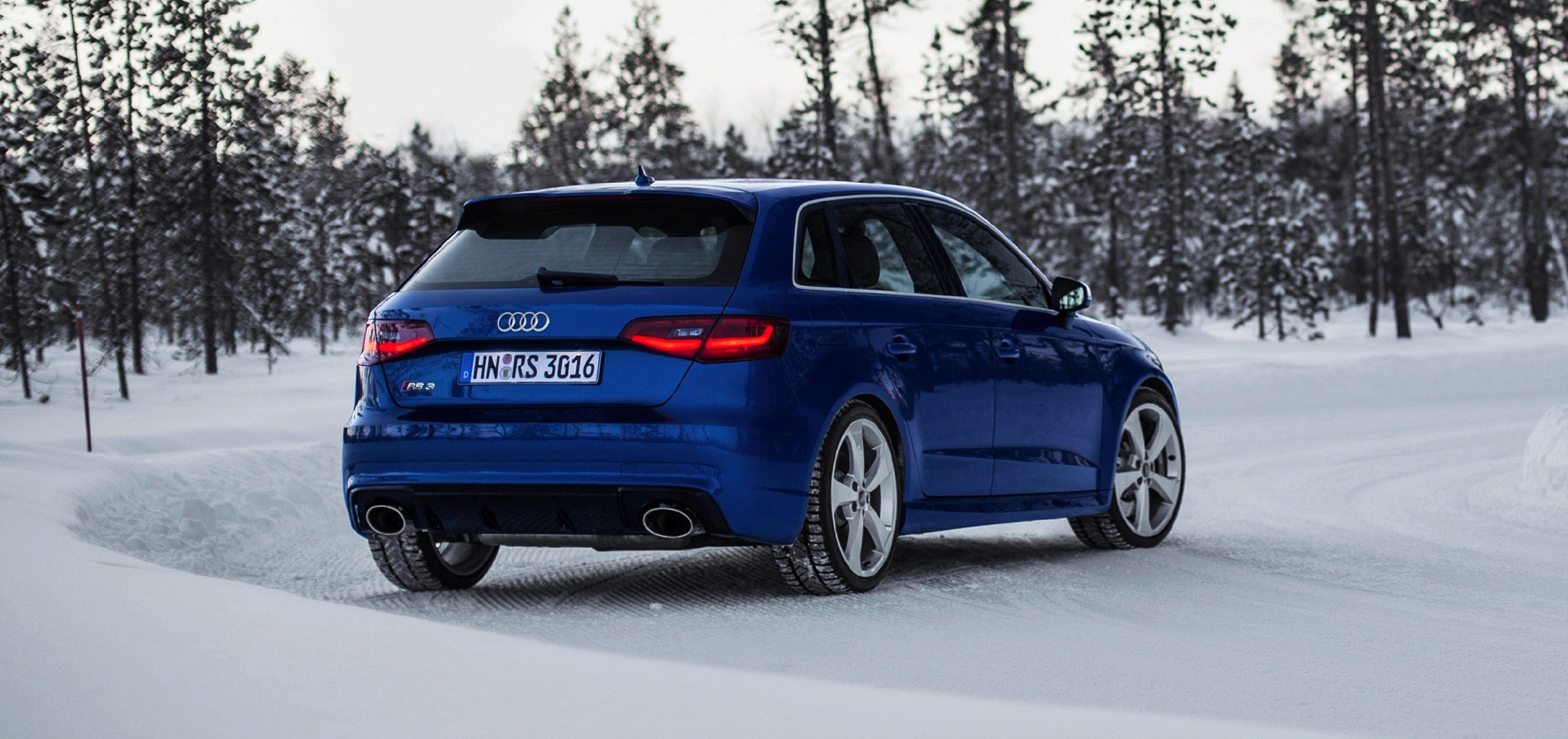 2015 audi rs3 new photos show sepang blue color autoevolution. Black Bedroom Furniture Sets. Home Design Ideas