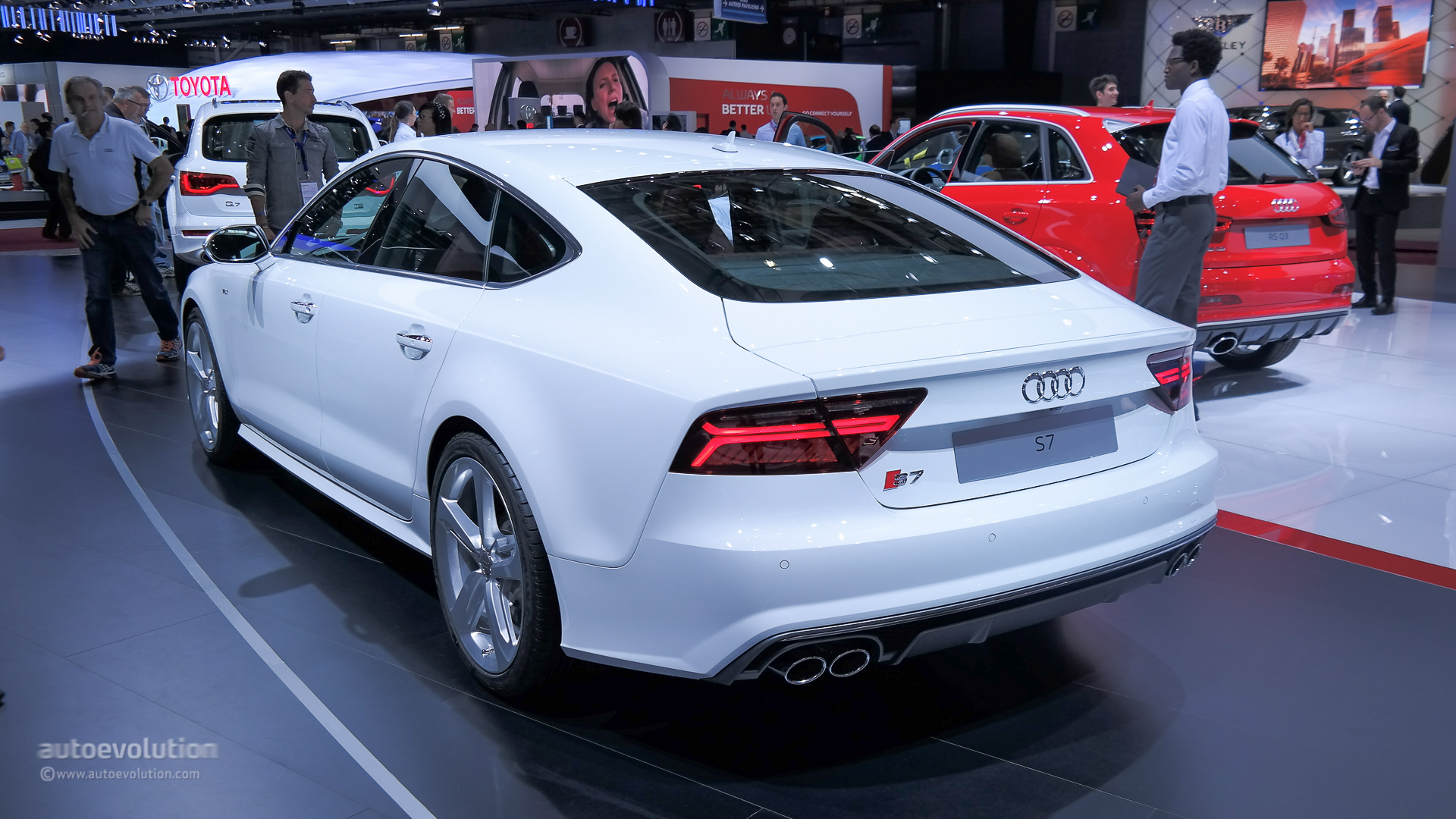 2015 Audi S7 Facelift Bows At Paris For The First Time