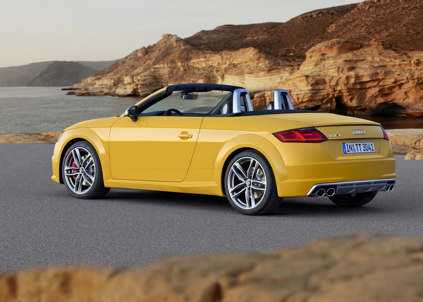 2015 audi tt and tts roadster revealed convertible in 10. Black Bedroom Furniture Sets. Home Design Ideas