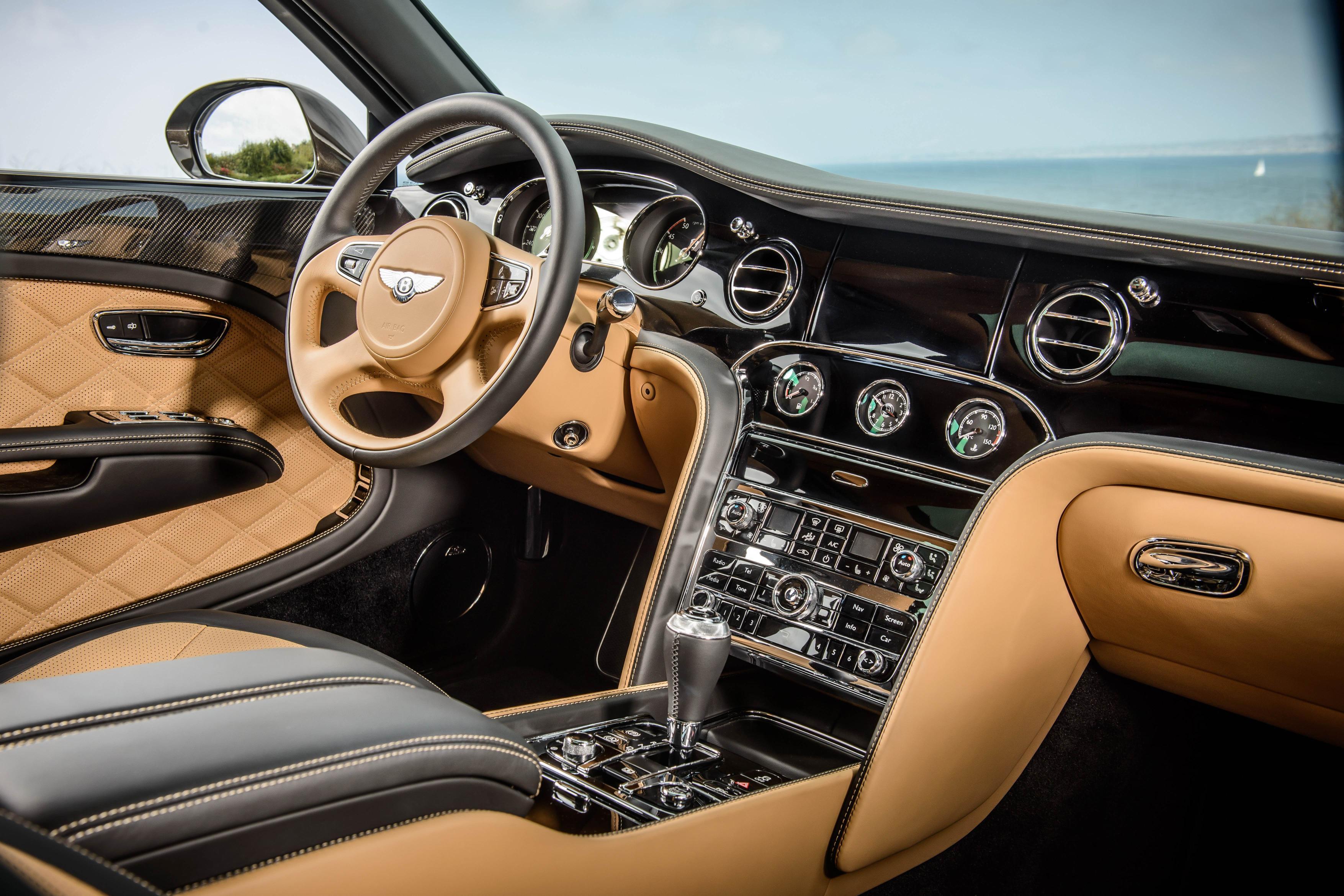 Фото салона Bentley Mulsanne Speed 2015 года