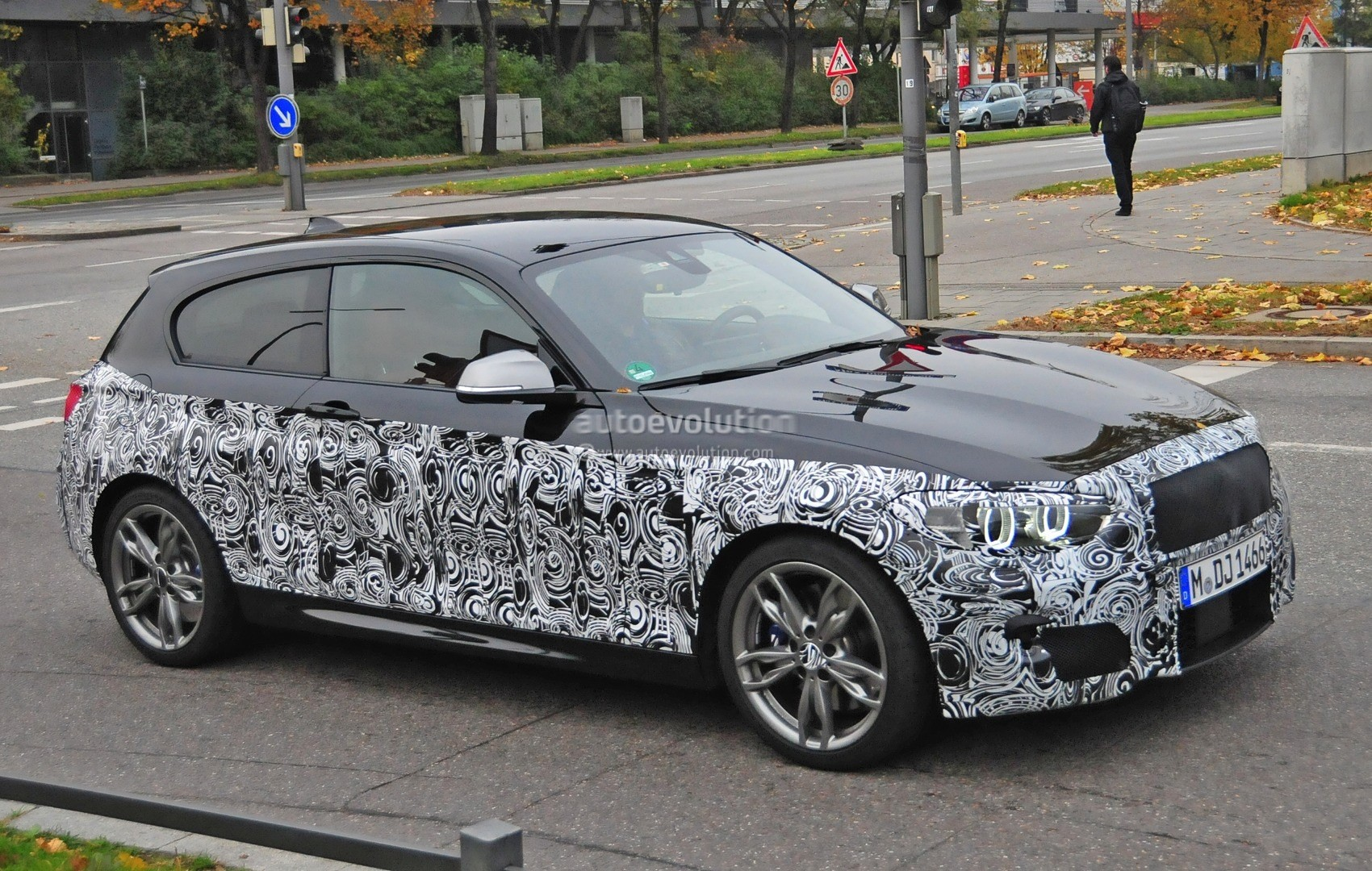 2015 bmw 1 series facelift interior spied with a new. Black Bedroom Furniture Sets. Home Design Ideas