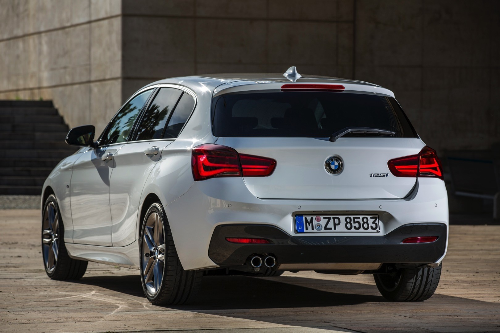2015 BMW 1 Series Facelift Revealed with New Design and ...