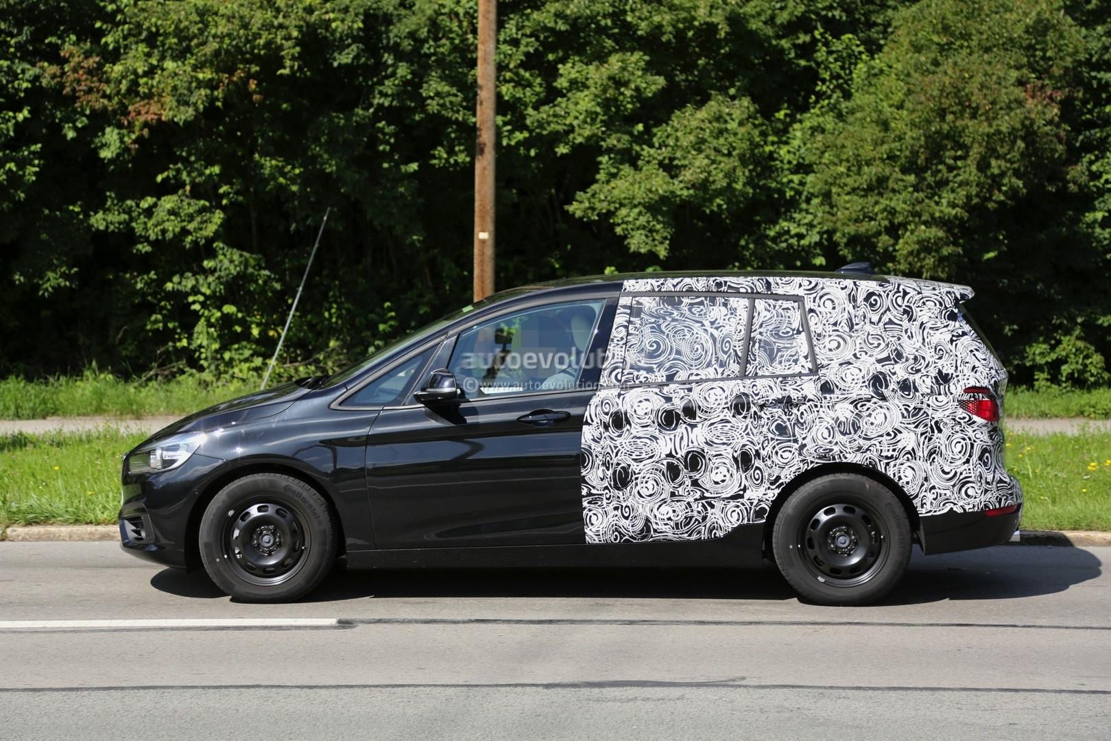 2015 bmw 2 series 7 seater spied half naked autoevolution. Black Bedroom Furniture Sets. Home Design Ideas