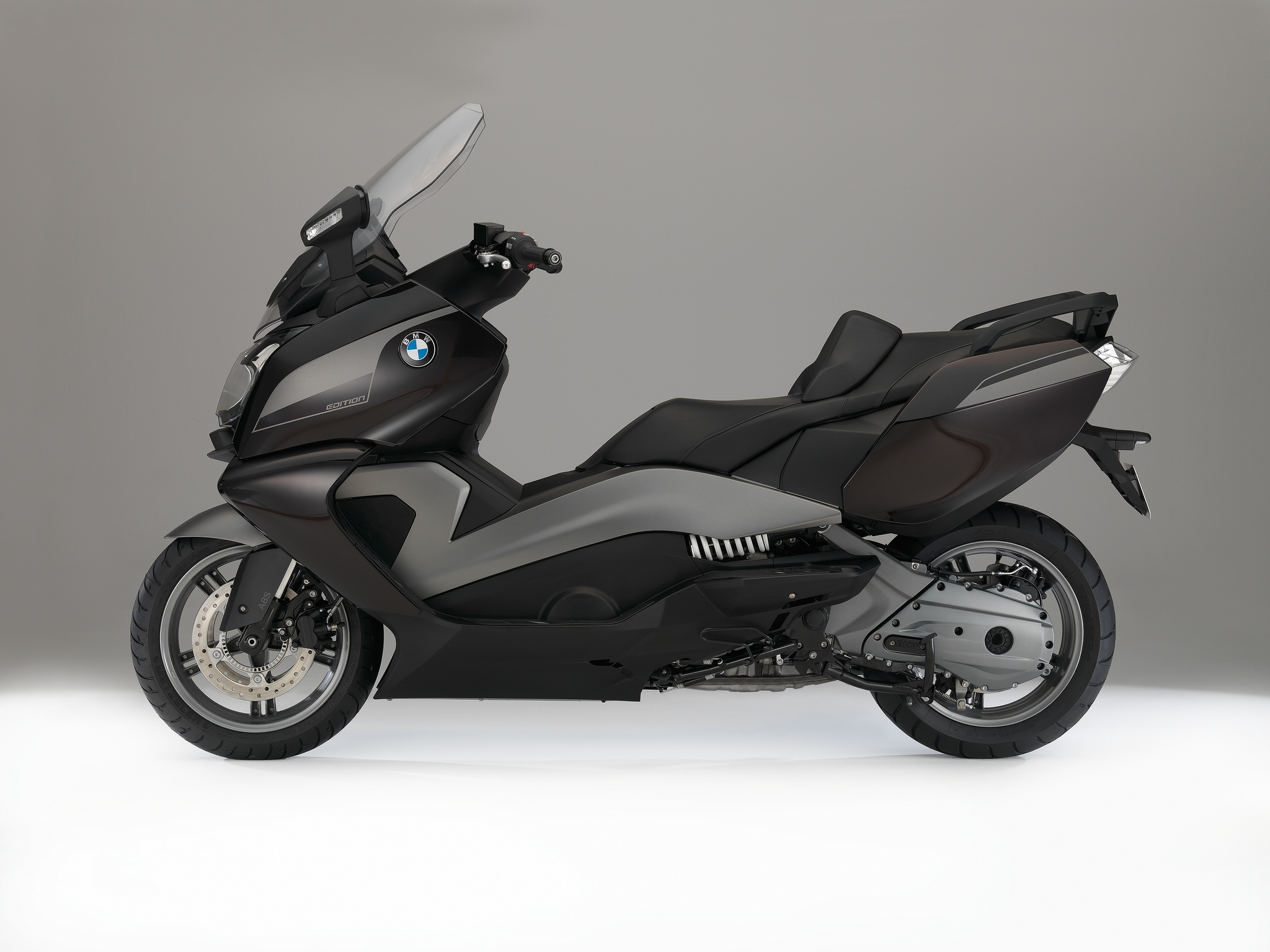2015 bmw c600 sport and c650gt special edition maxi scooters available from spring 2015. Black Bedroom Furniture Sets. Home Design Ideas