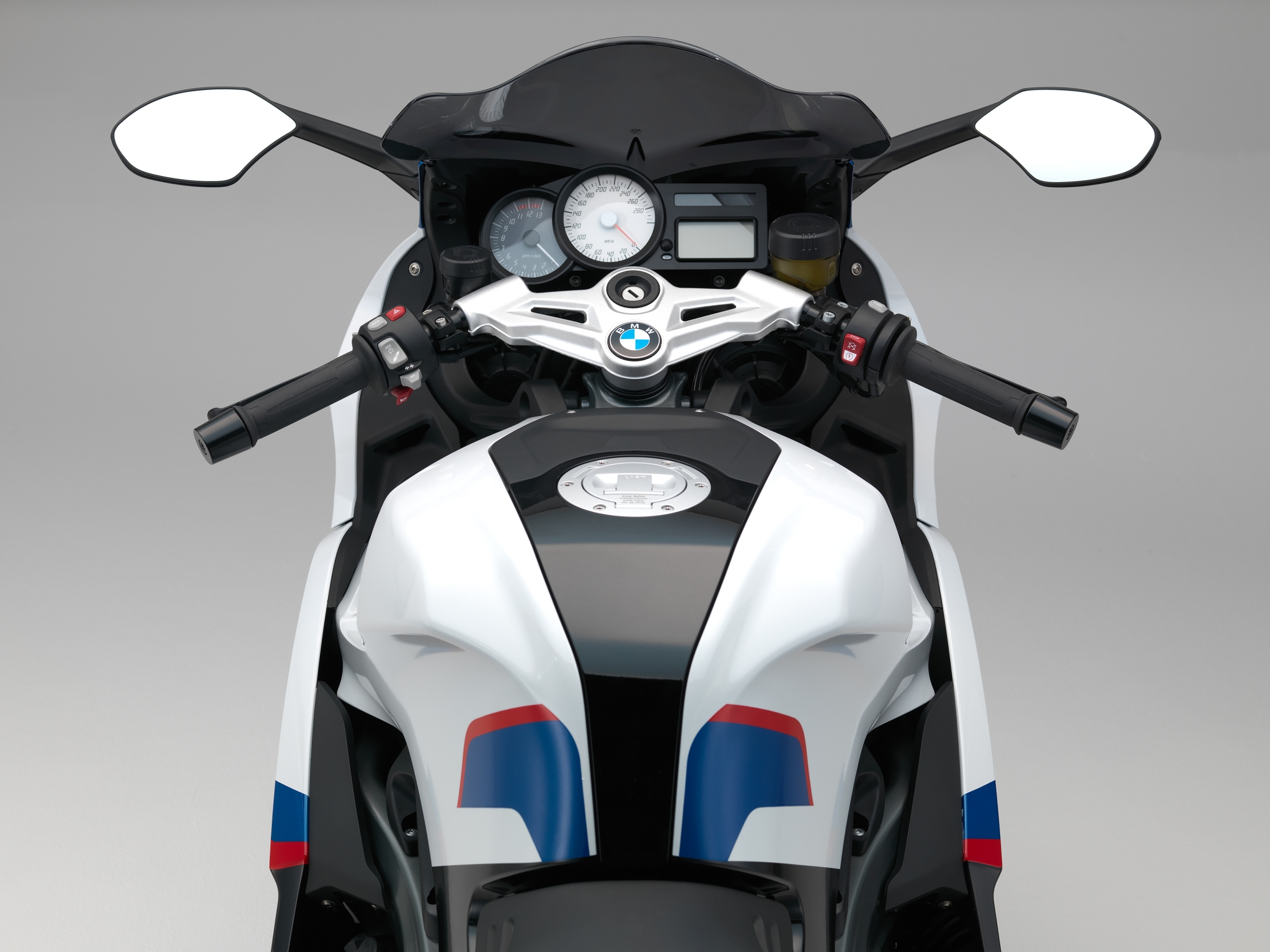 2015 bmw k1300s motorsport revealed autoevolution. Black Bedroom Furniture Sets. Home Design Ideas