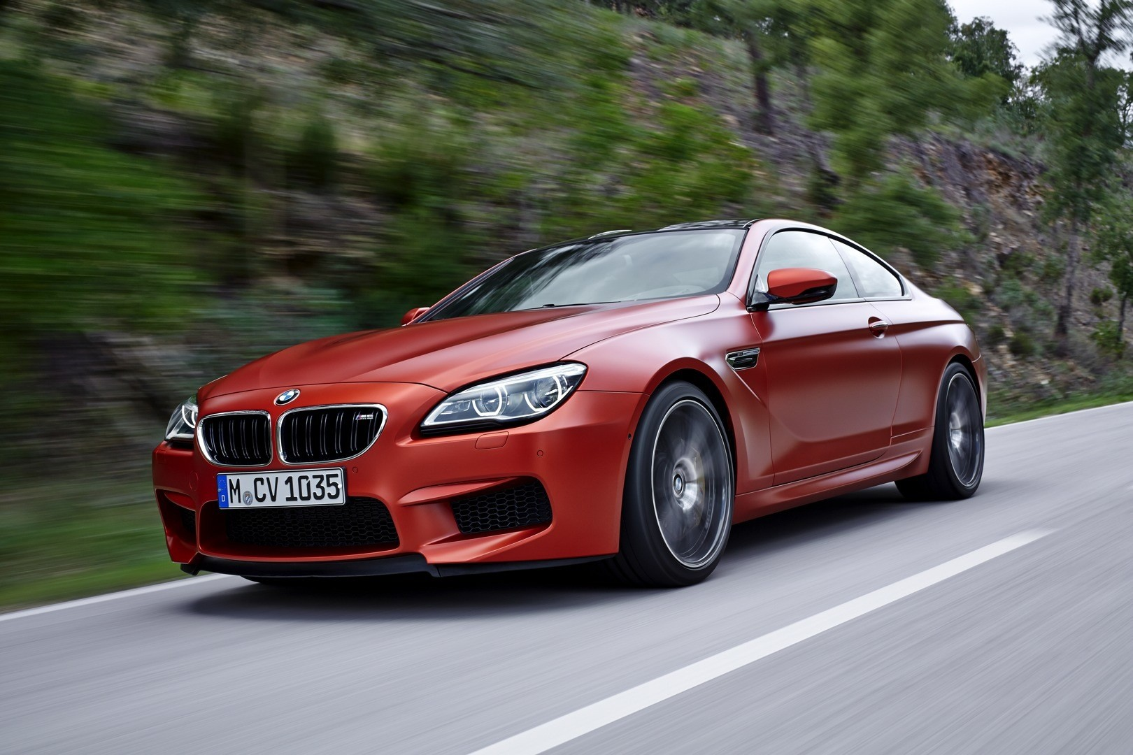 2015 bmw m6 facelift comes out with a new face autoevolution. Black Bedroom Furniture Sets. Home Design Ideas