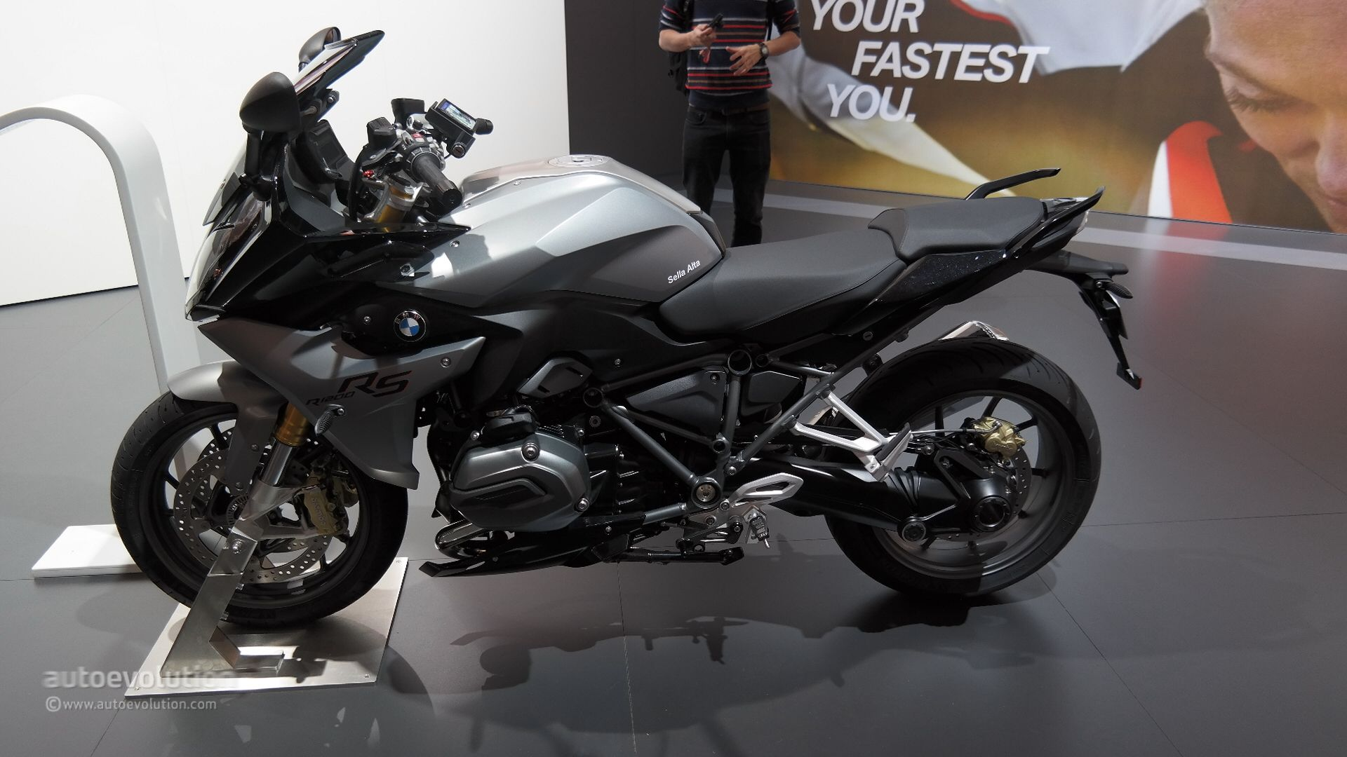 Bmw R Rs Exudes Comfort And New Power At Eicma Live Photos